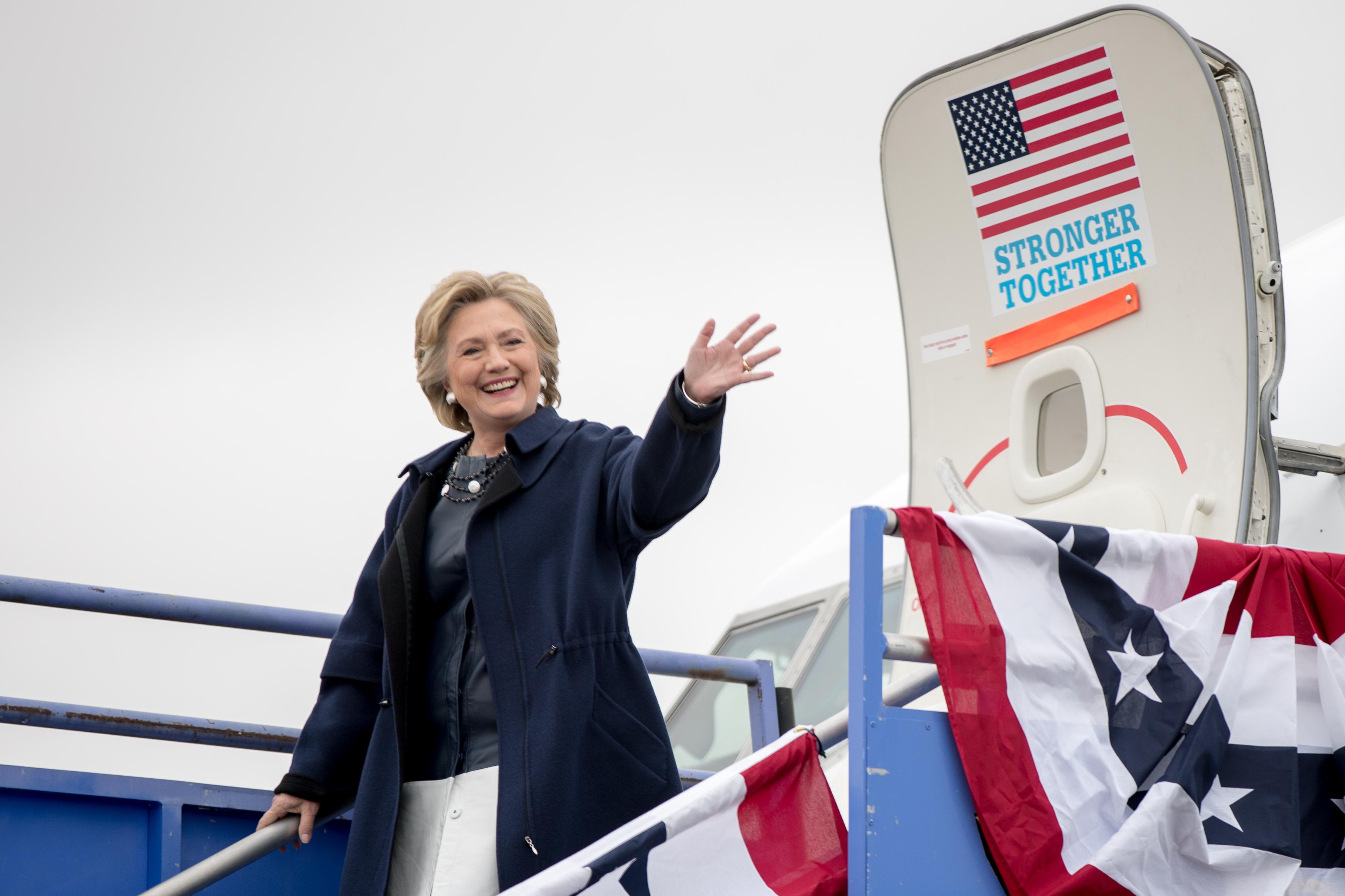 Photo: Hillary Clinton Lands In Pueblo October 12 2016