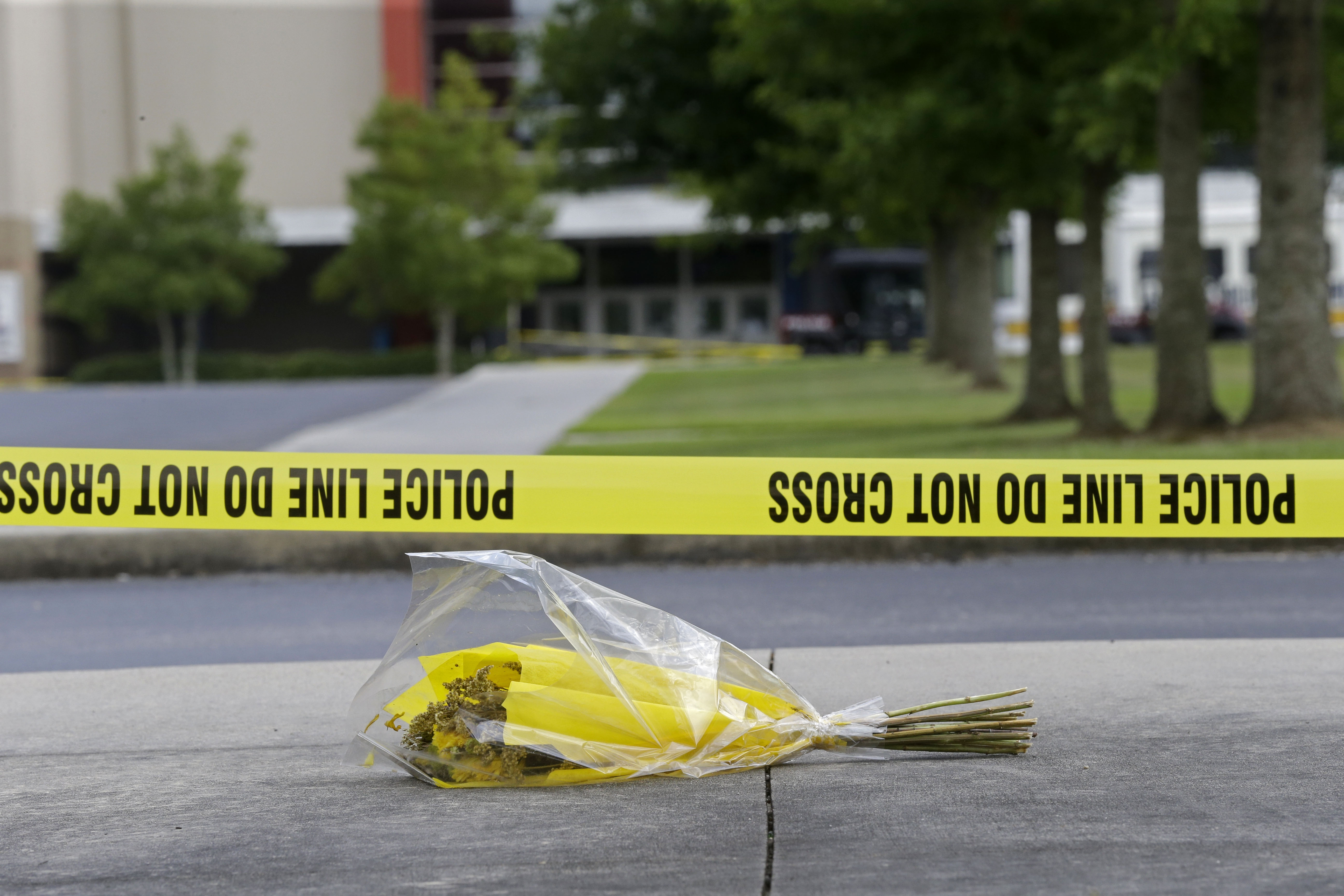 Photo: Louisiana Theater Shooting Bouquet