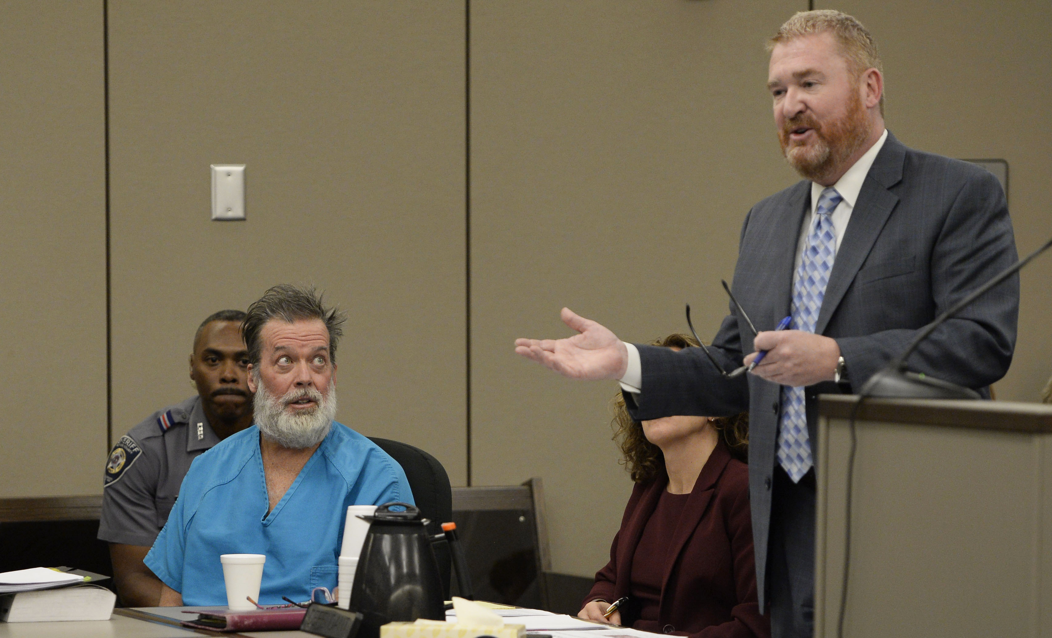 Photo: Planned Parenthood Shhoting Suspect Robert Dear Glares At Attorney Daniel King