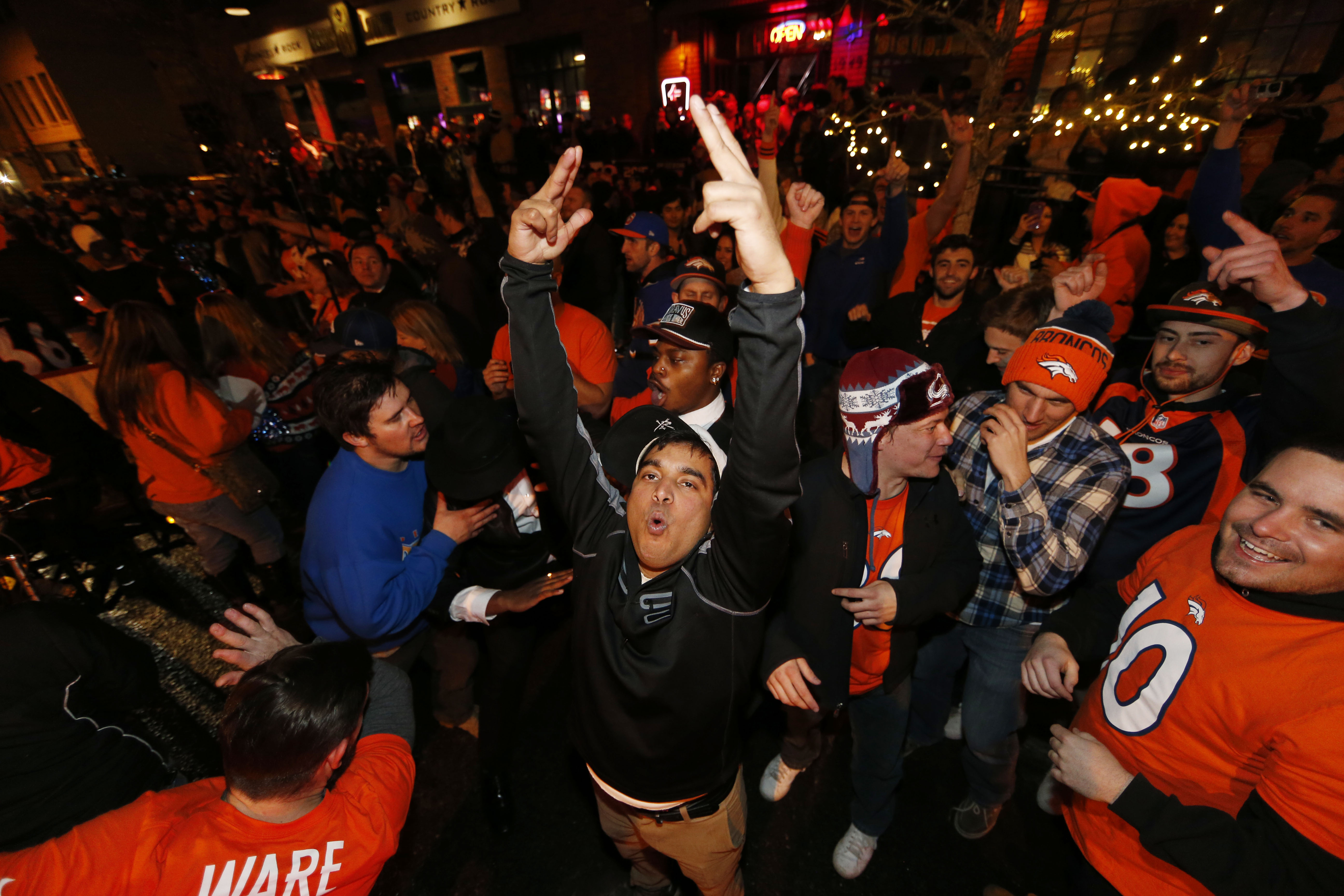 Photo: Broncos fans celebrate 1 | LoDo scene