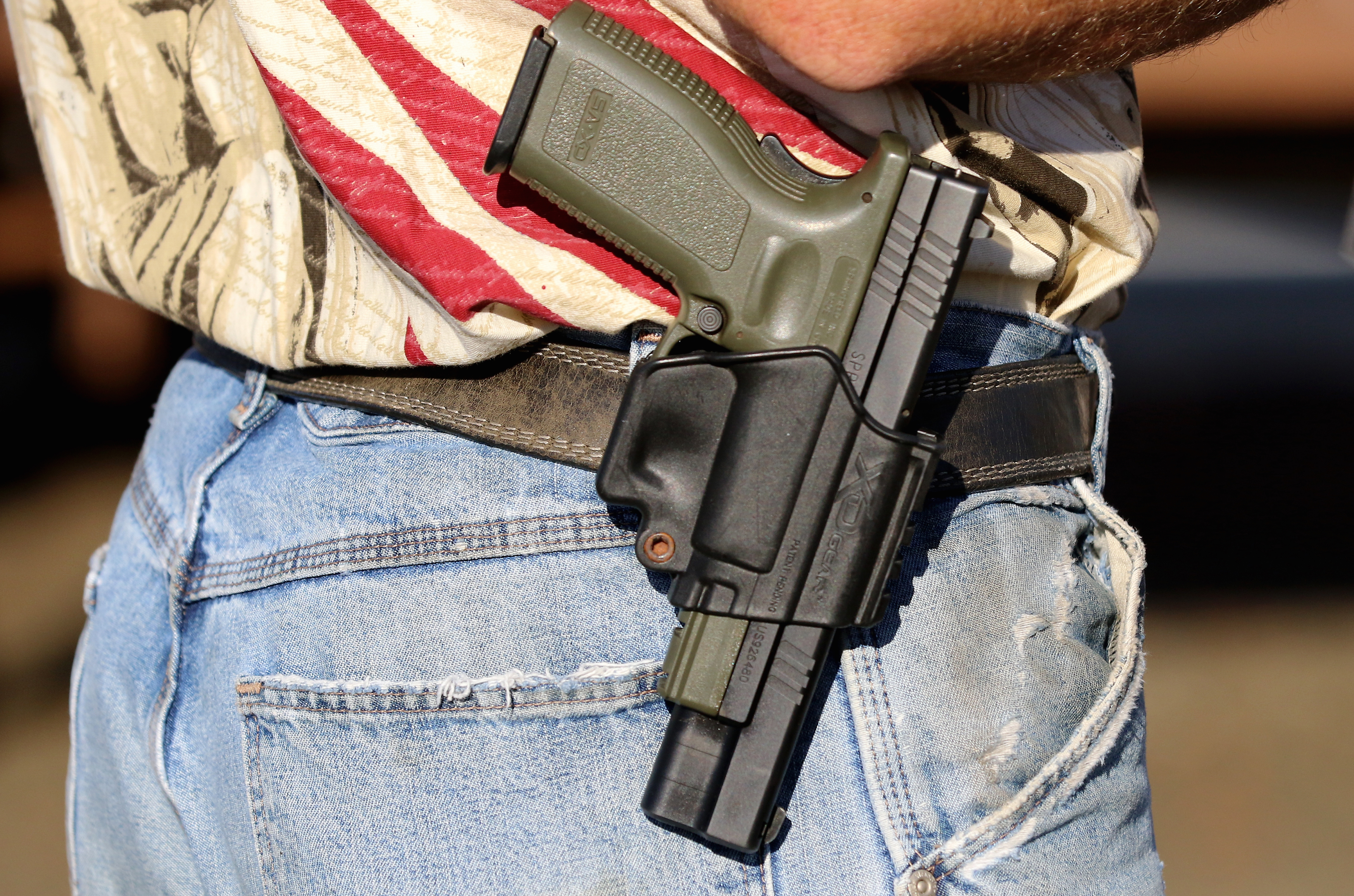 Photo: Gun In Holster, Roseburg, Oregon