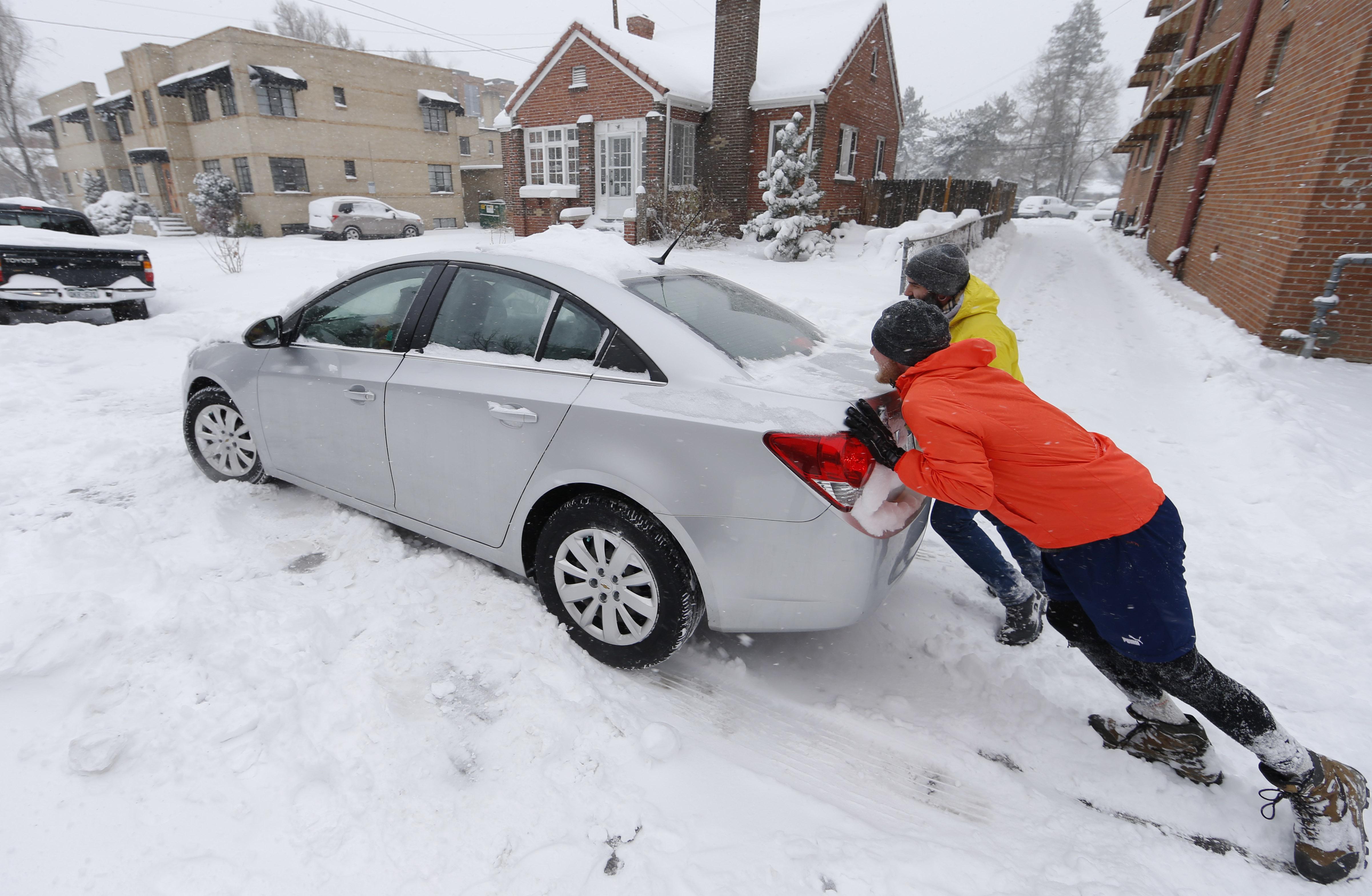 Photo: Winter weather 12.15.15 (AP Photo)