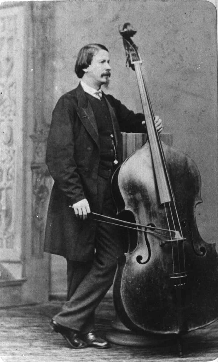 Photo: Bottesini vertical with bass