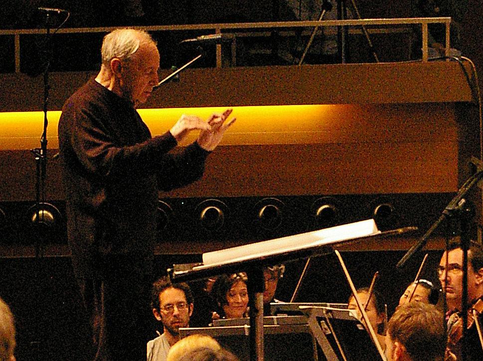 Photo: Boulez conducting 2008