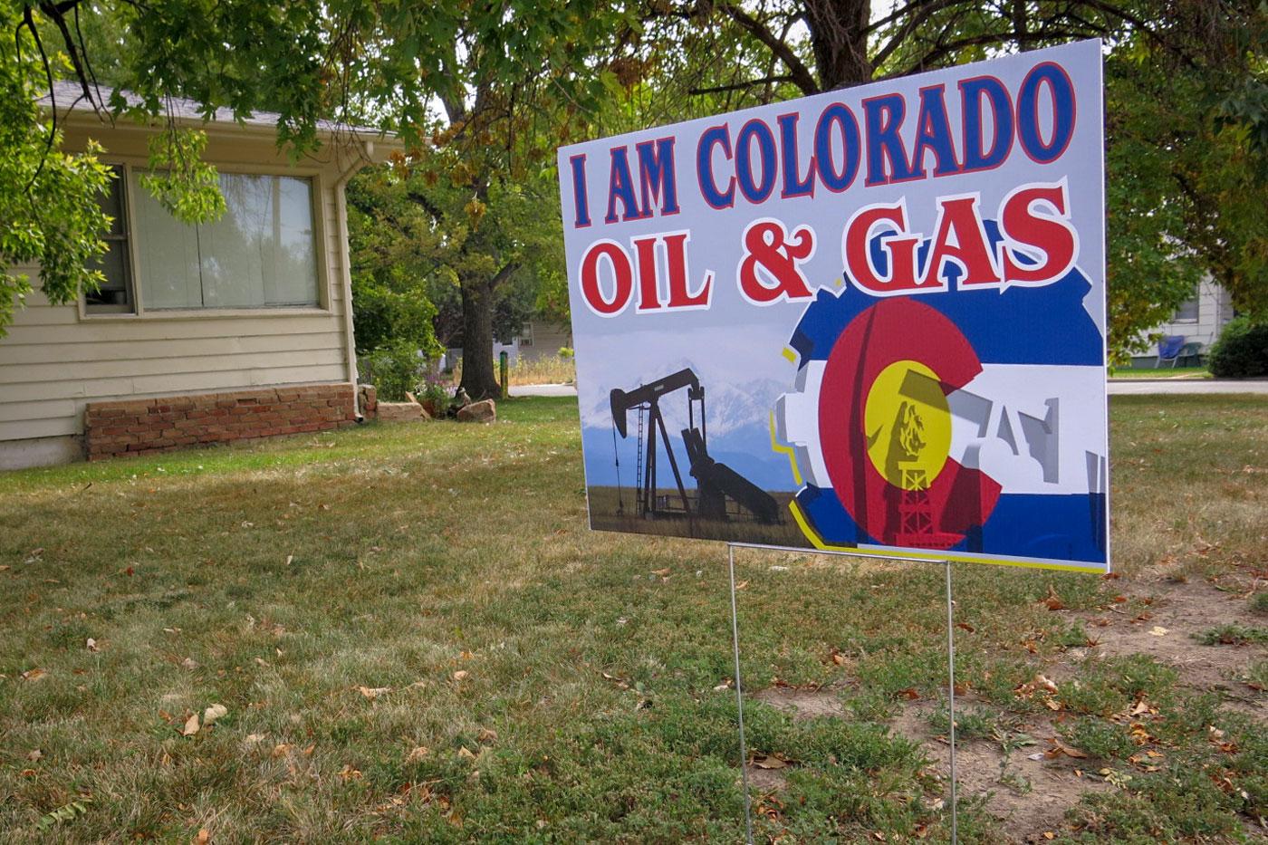 Photo: Colorado Wonders Prop 112   Colo Oil & Gas Yard Sign - GHood