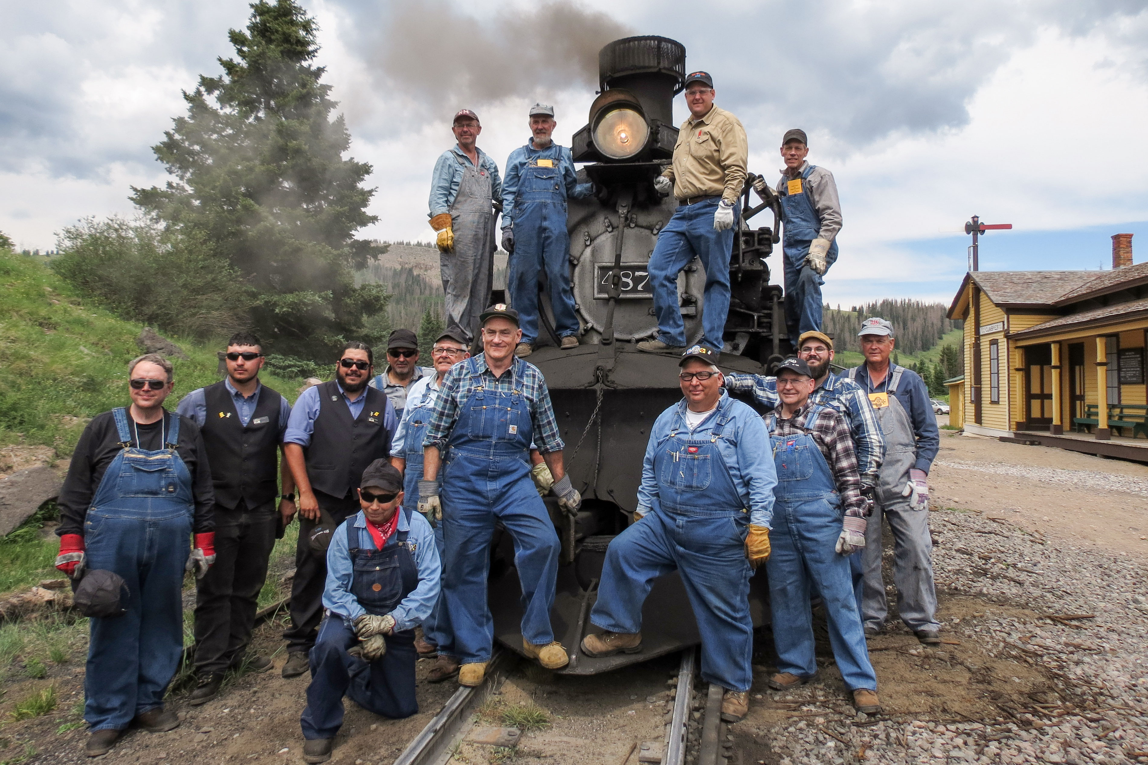 Photo: Train School 4 | Engineer & Fireman Class Poses With Train - JBrundin
