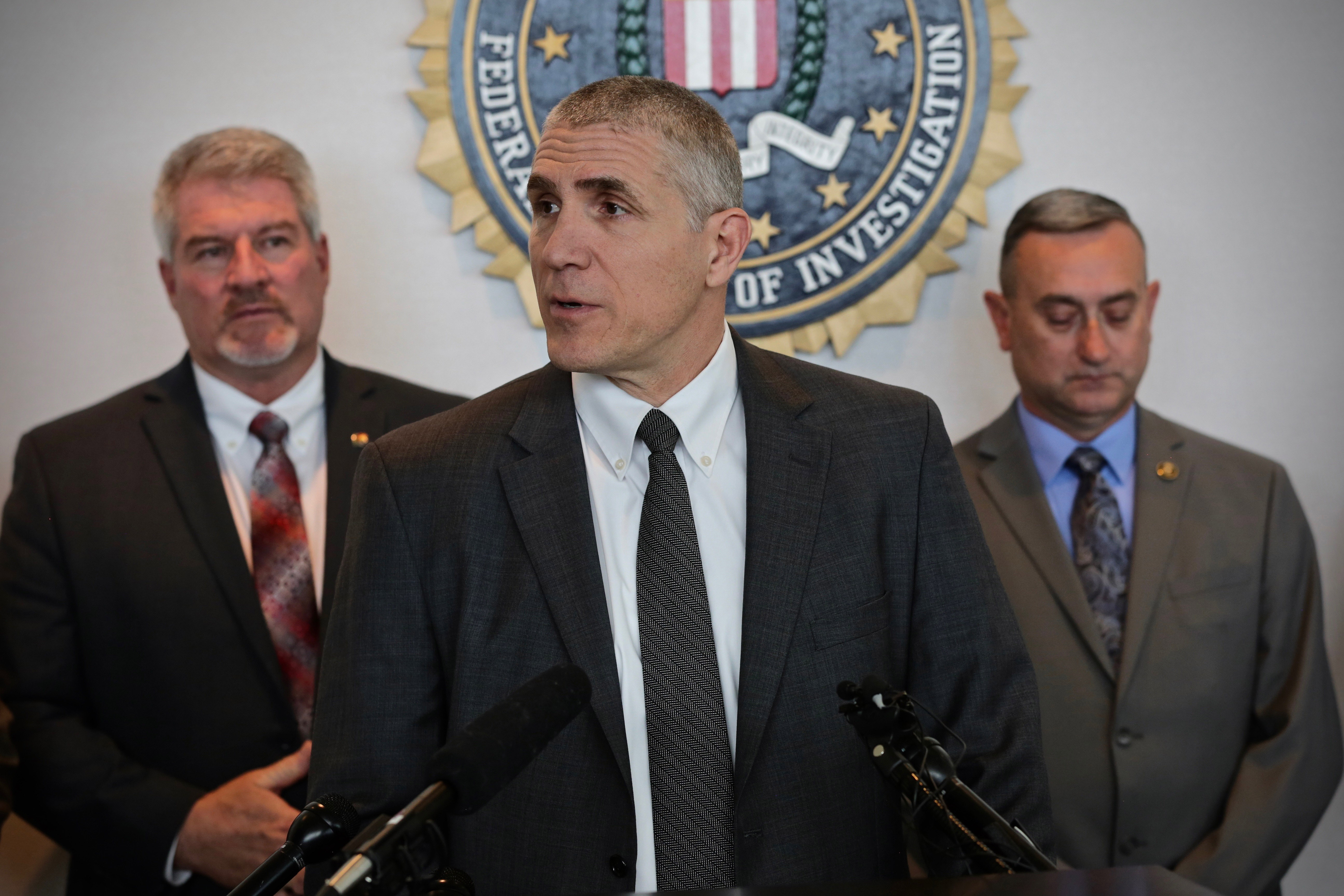 Photo: Sol Pais Manhunt 3 | FBI Dean Phillips - HVD