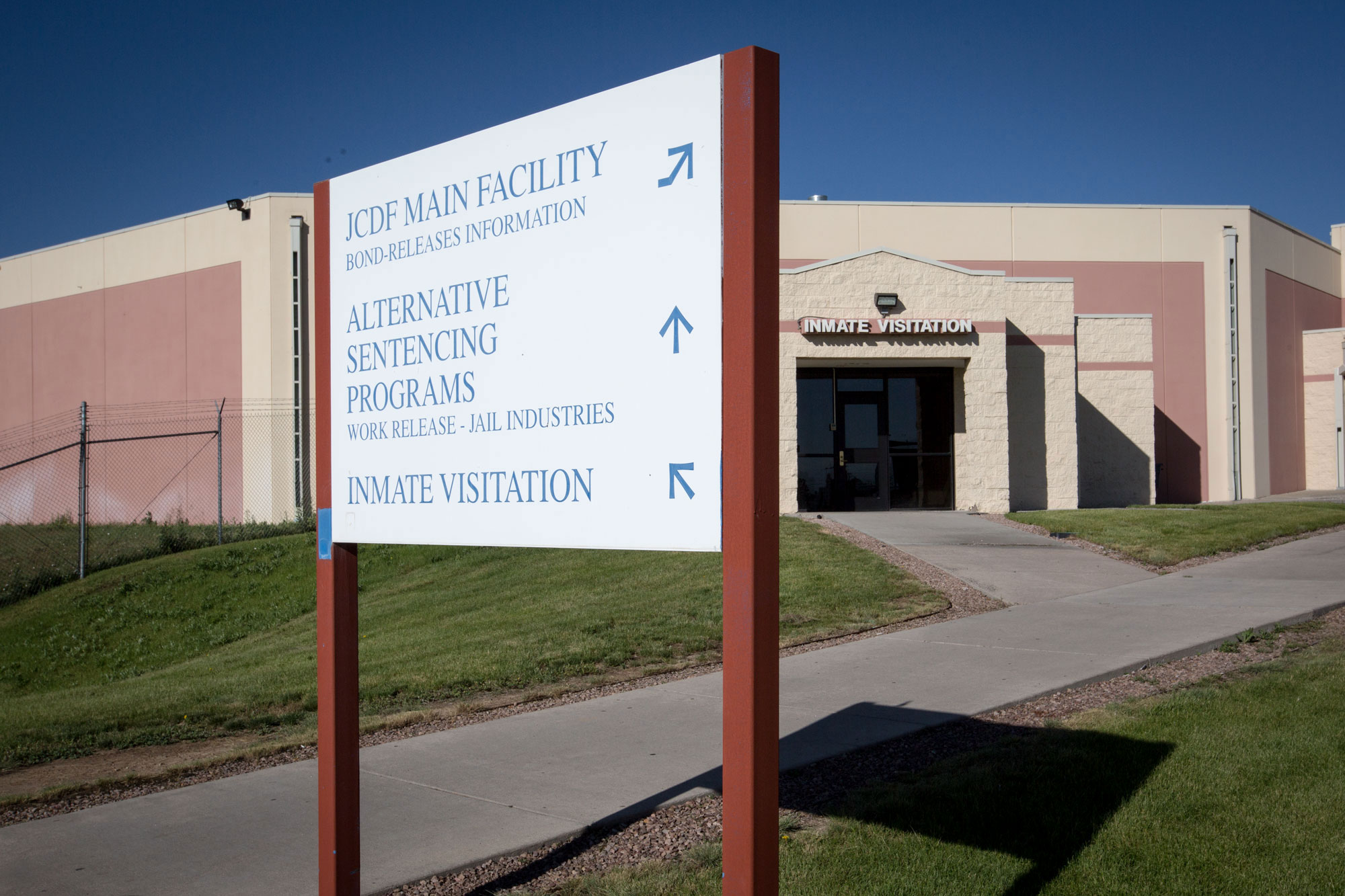 Photo: Arapahoe County Justice Center 2 | Visitation Entrance - HVD