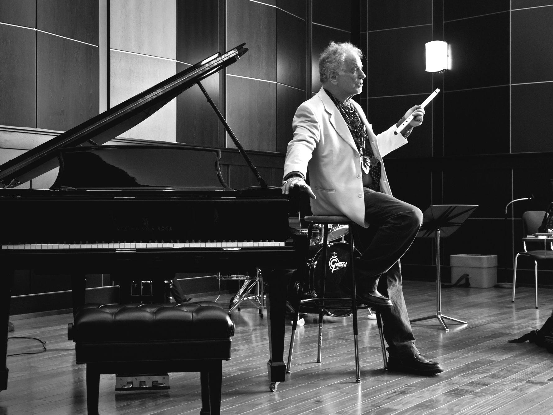 Photo: Composer David Amram teaching a master class