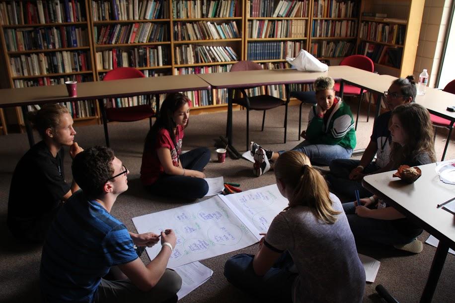 Photo: GW students at DU