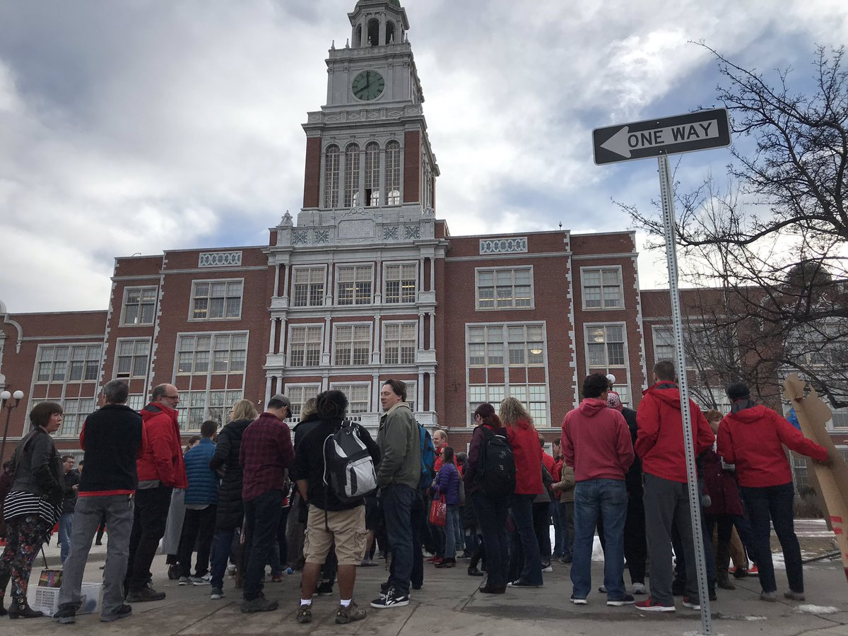 Photo: Striking Teachers Return To East High School