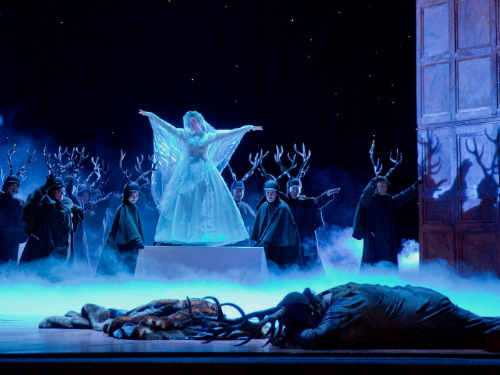 Photo: Falstaff Met Opera