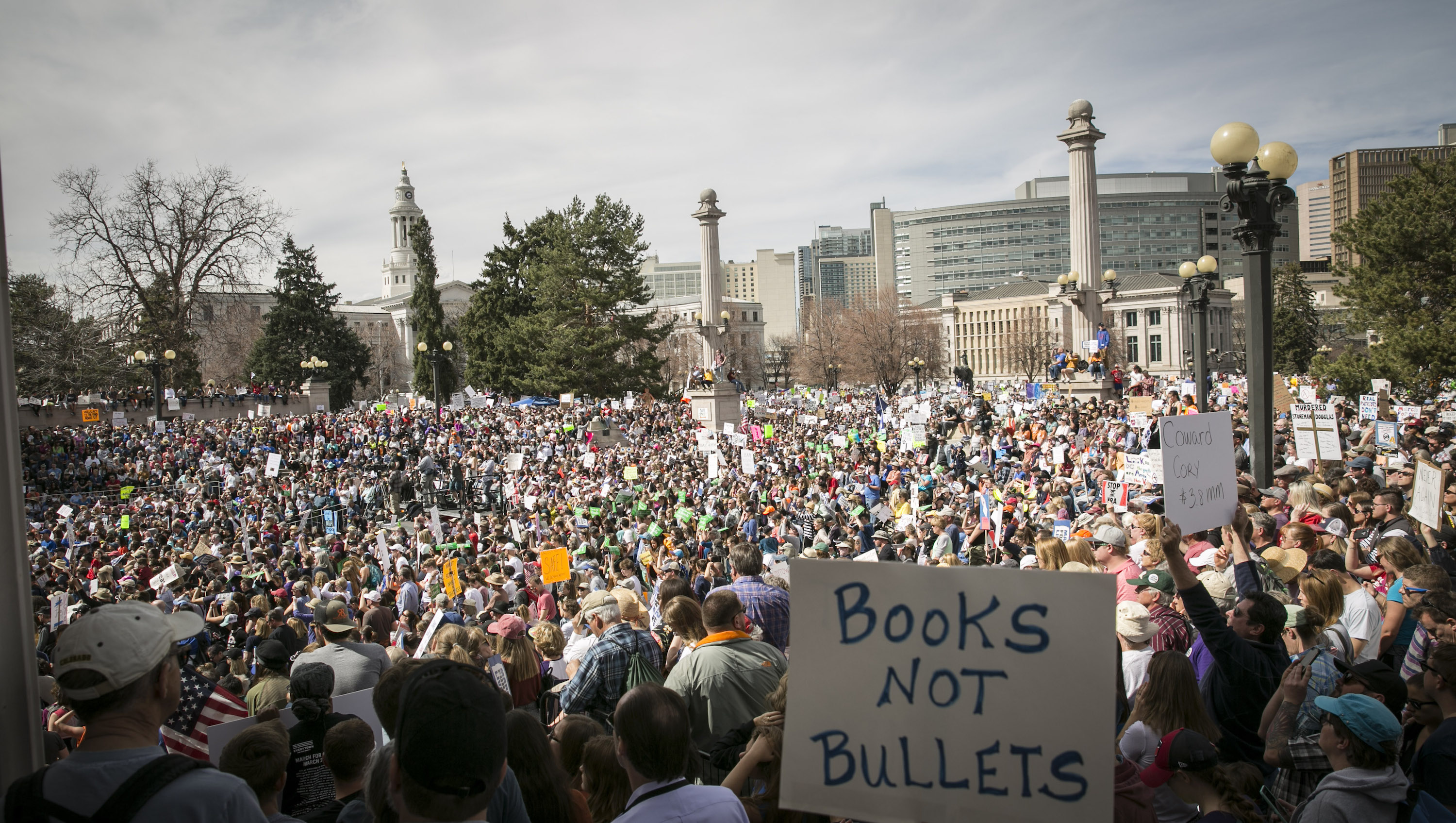 Photo: March For Our Lives Denver Crowds 1 (NM)