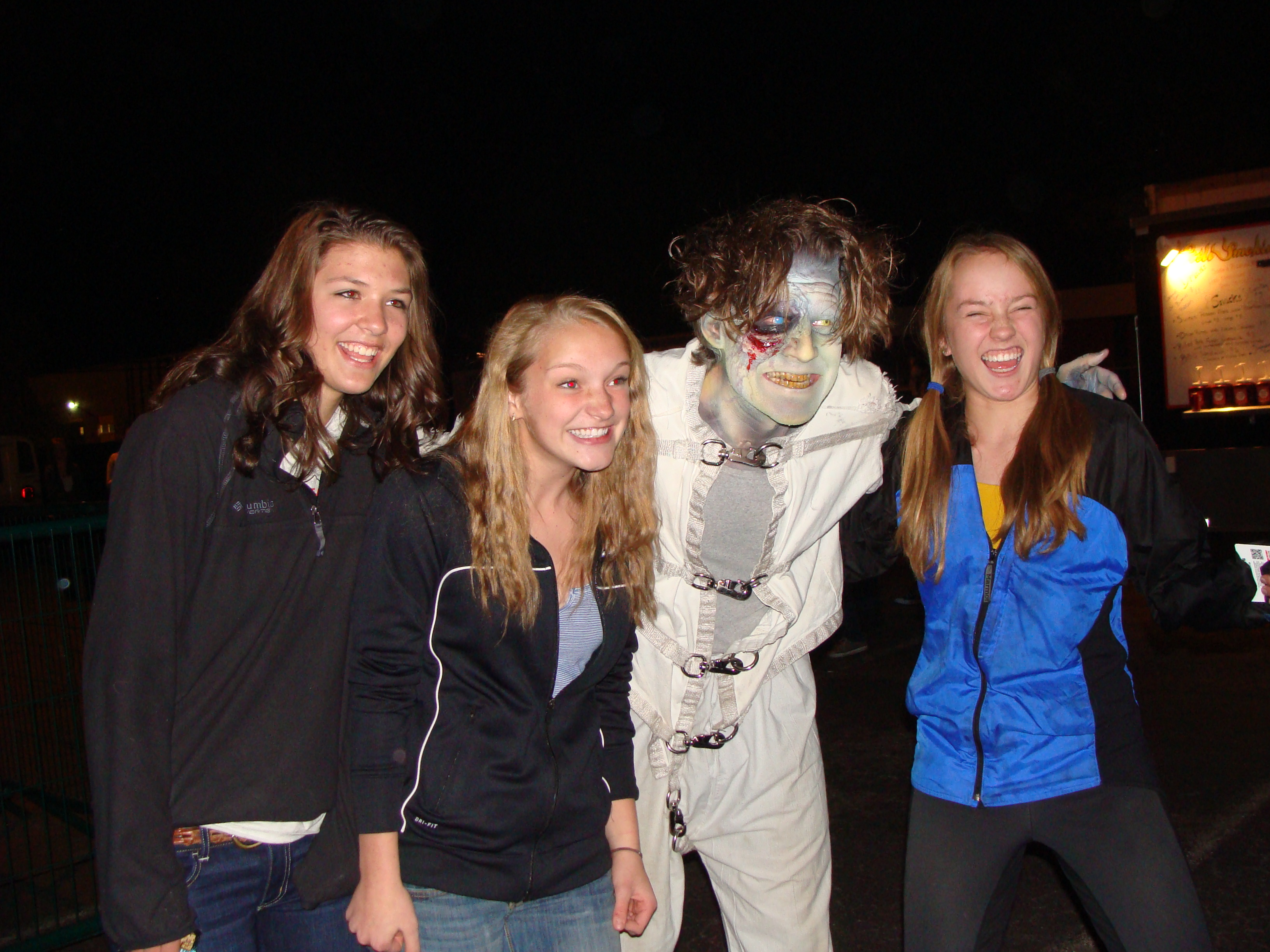 Photo: thrill-seekers at Asylum haunted house