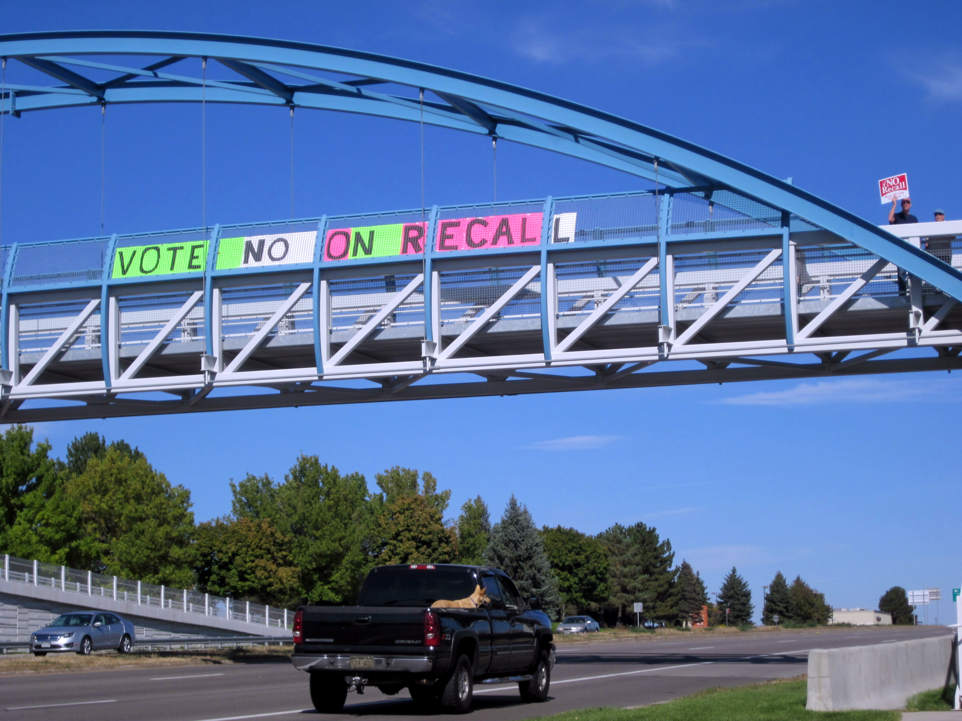 Photo: JeffCo recall sign (Brundin)