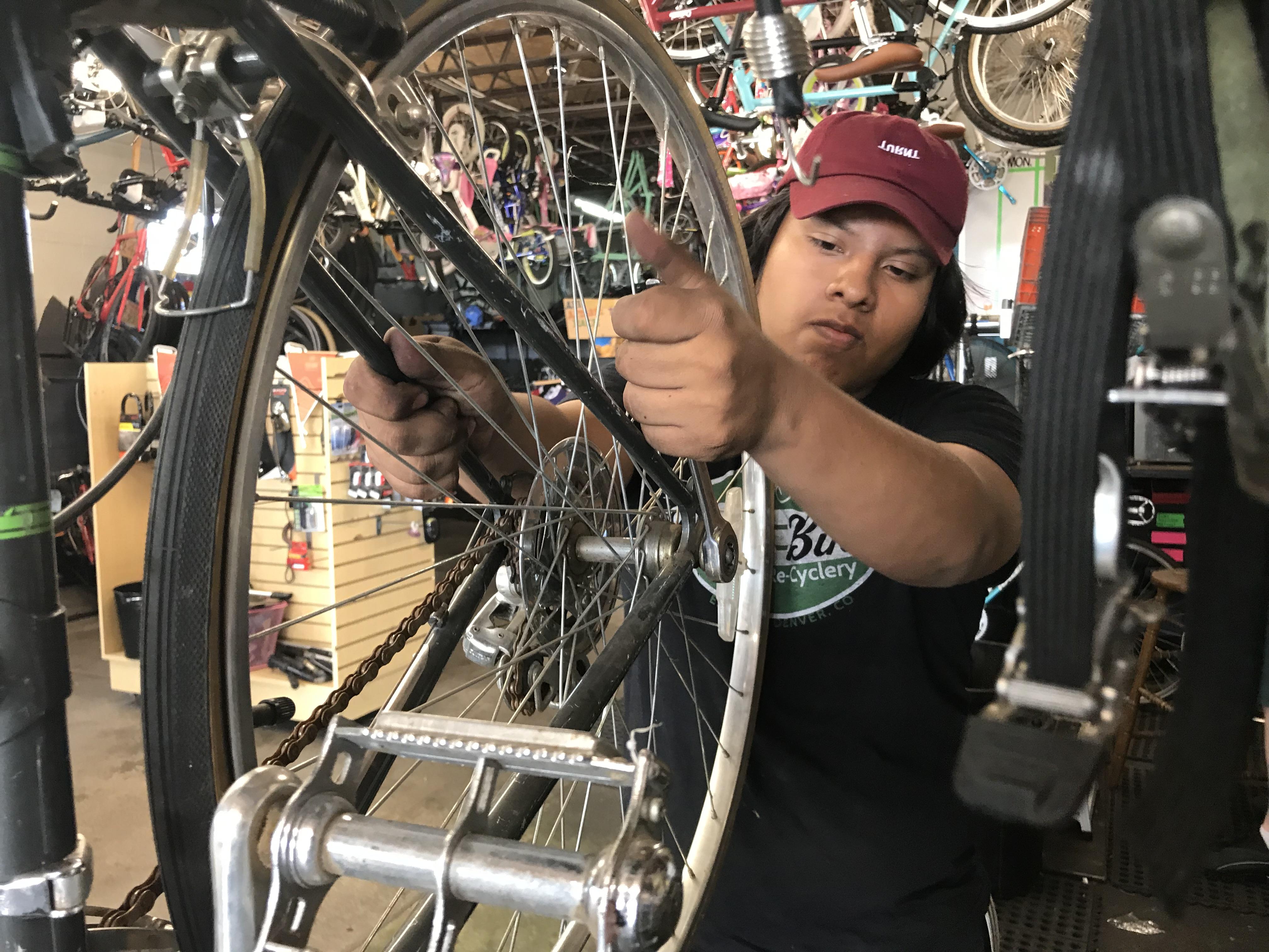 Photo: Aldo Cruz Lucky Bikes Re-Cyclery Trips For Kids