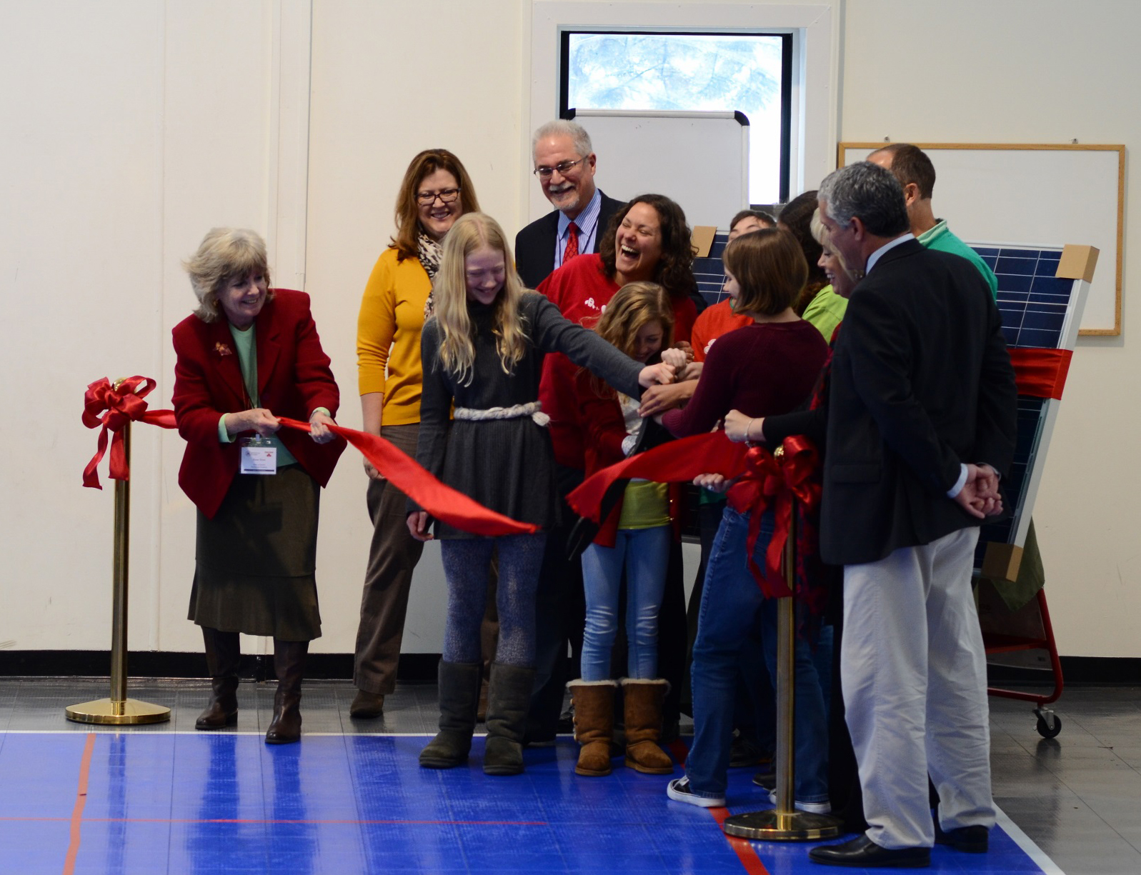 Photo: Macintosh Academy solar project ribbon cutting