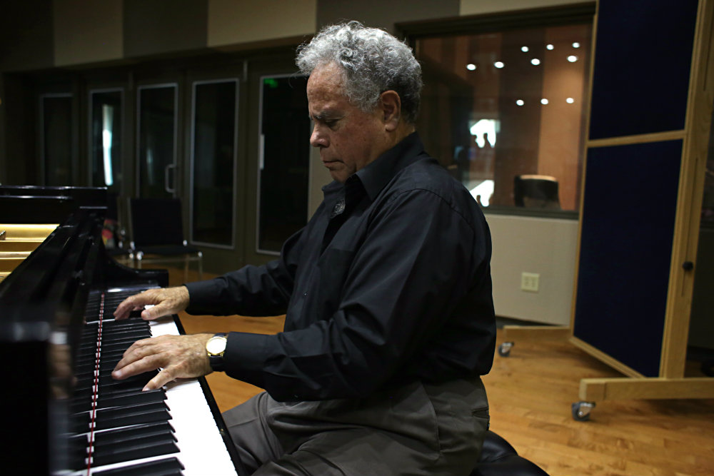 Photo: Jeffrey Siegel in the CPR Performance Studio