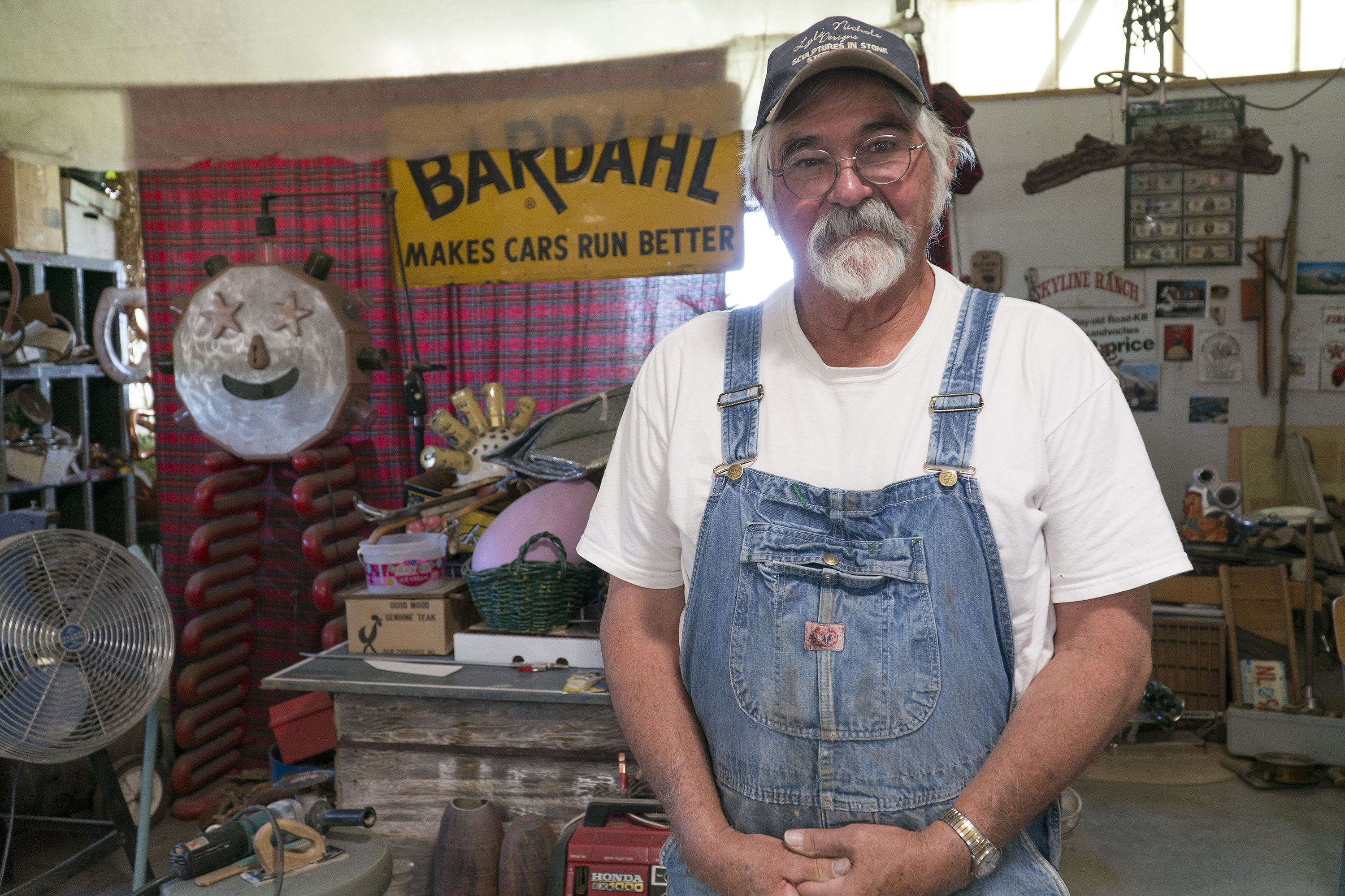 Photo: Palisade Junk Artist Lyle Nichols 1 | In His Workshop