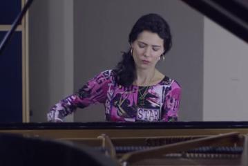 Photo: Katie Mahan Debussy Estampes thumbnail