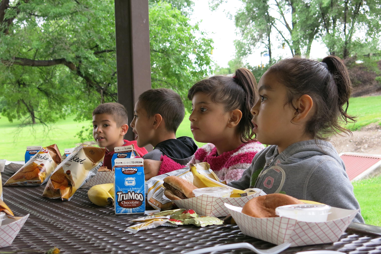 Kids eating lizard lunch summer hunger (STAFF)