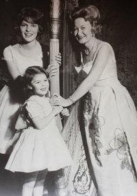 Photo: Harpist Carolyn Kuban and family