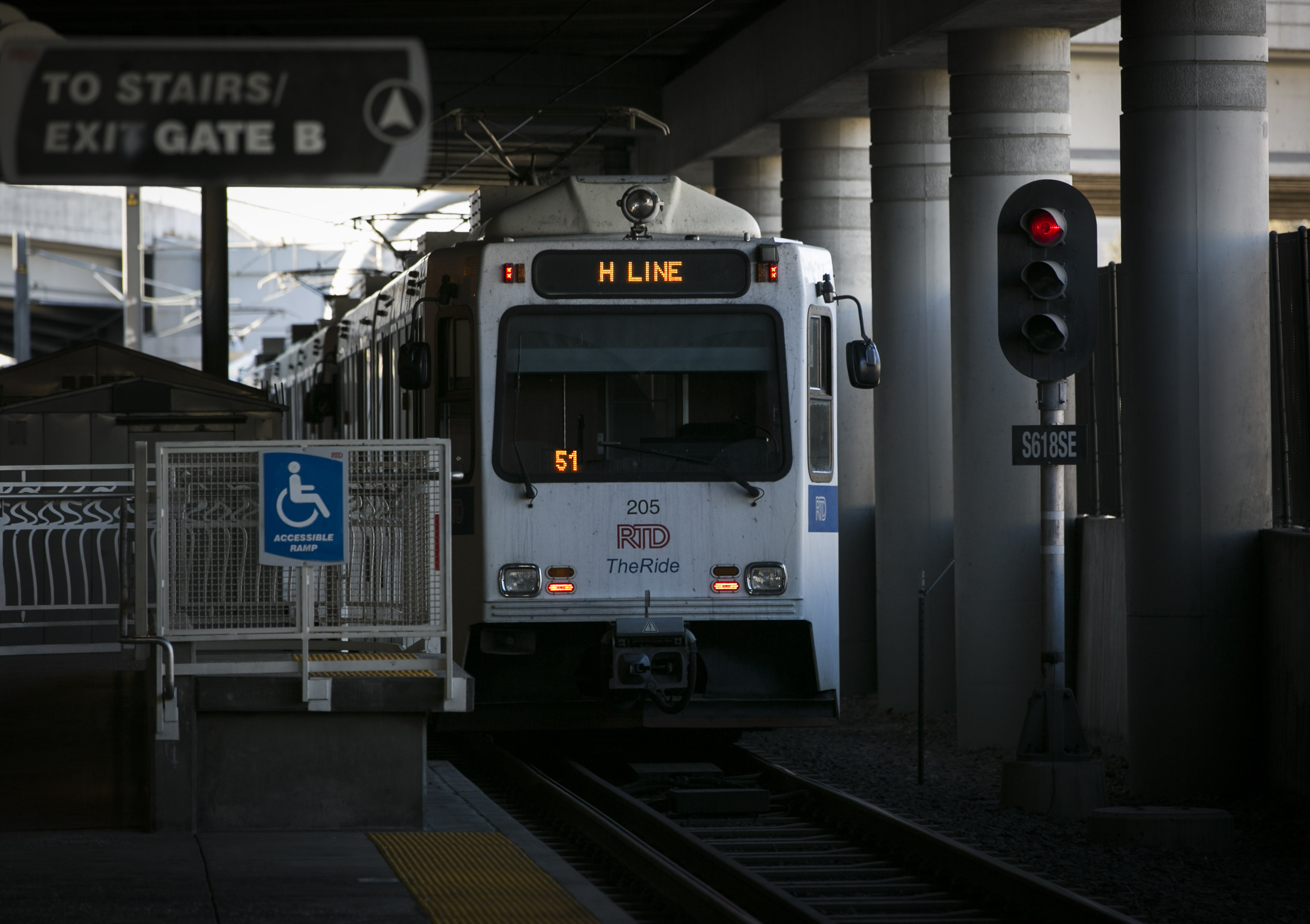 Photo: RTD Light Rail Train 1 | H Line At Louisiana Pearl