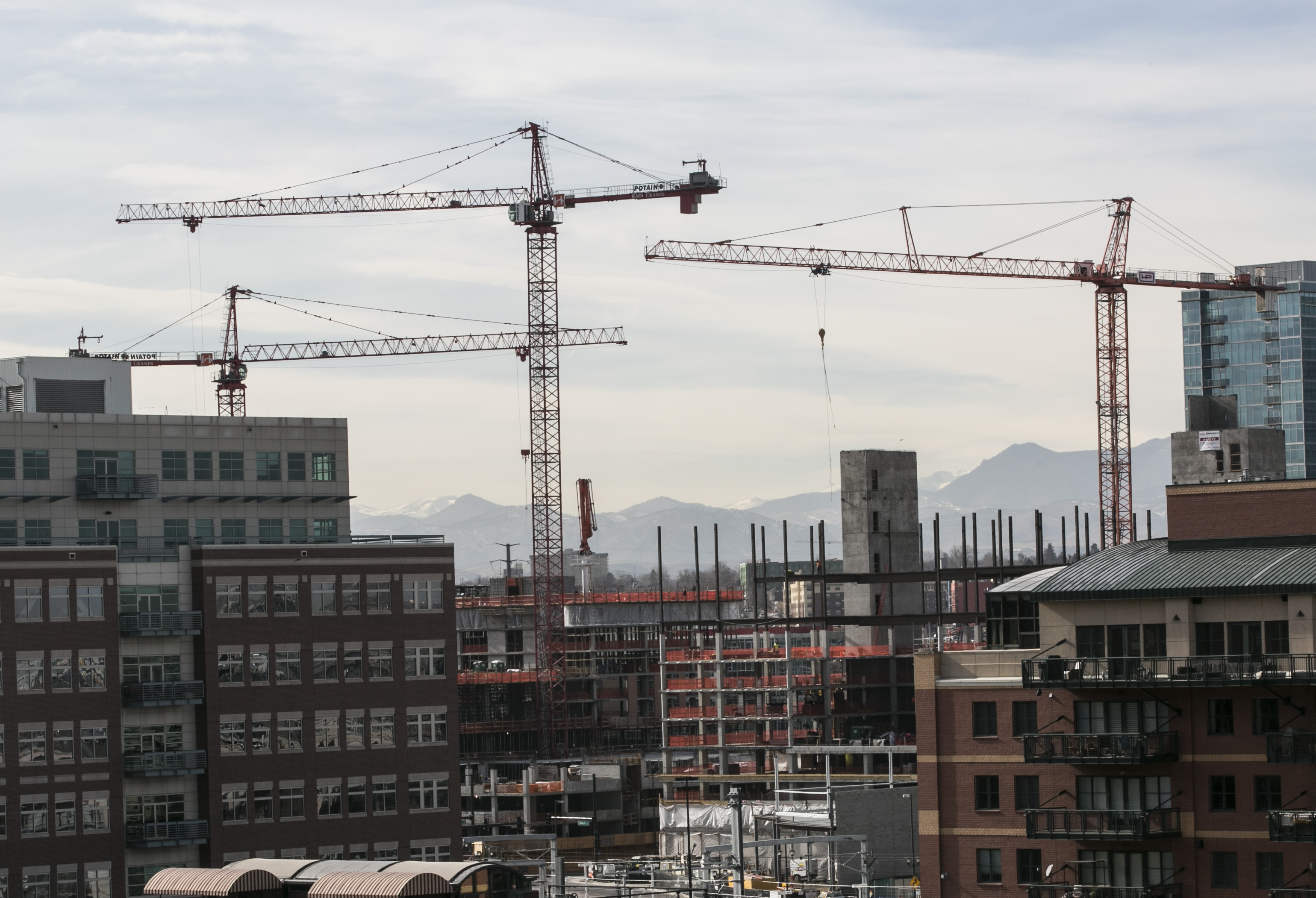 Photo: Construction cranes in LoDo, Feb. 2016 1