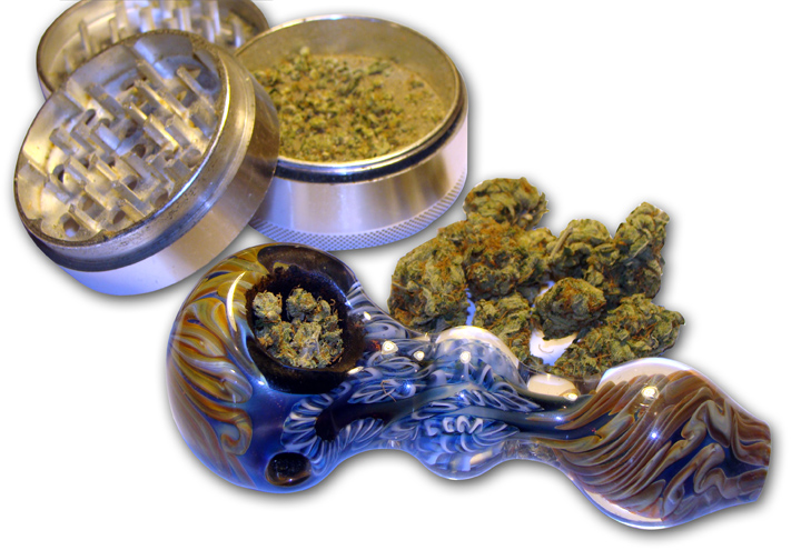 Photo: Marijuana pipe and grinder (file)
