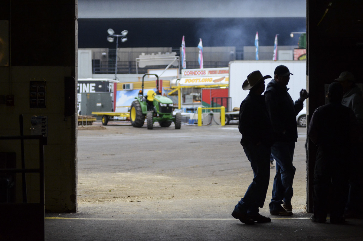 Photo: Stock Show 2 silhouette