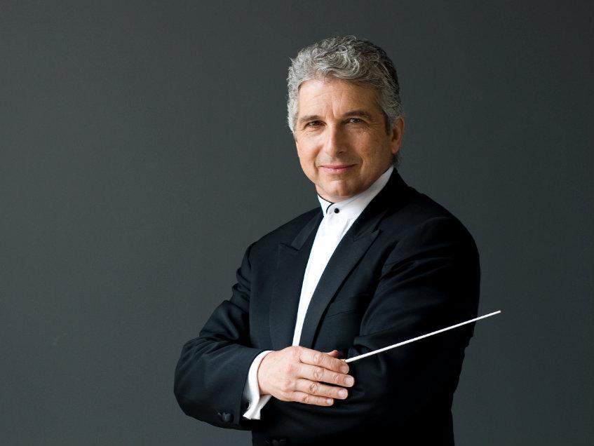 Photo: Peter Oundjian, conductor