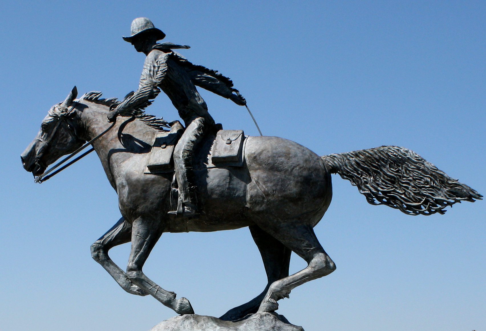 Photo: Pony Express Statue At Colorado Welcome Center Julesburg (Flickr)
