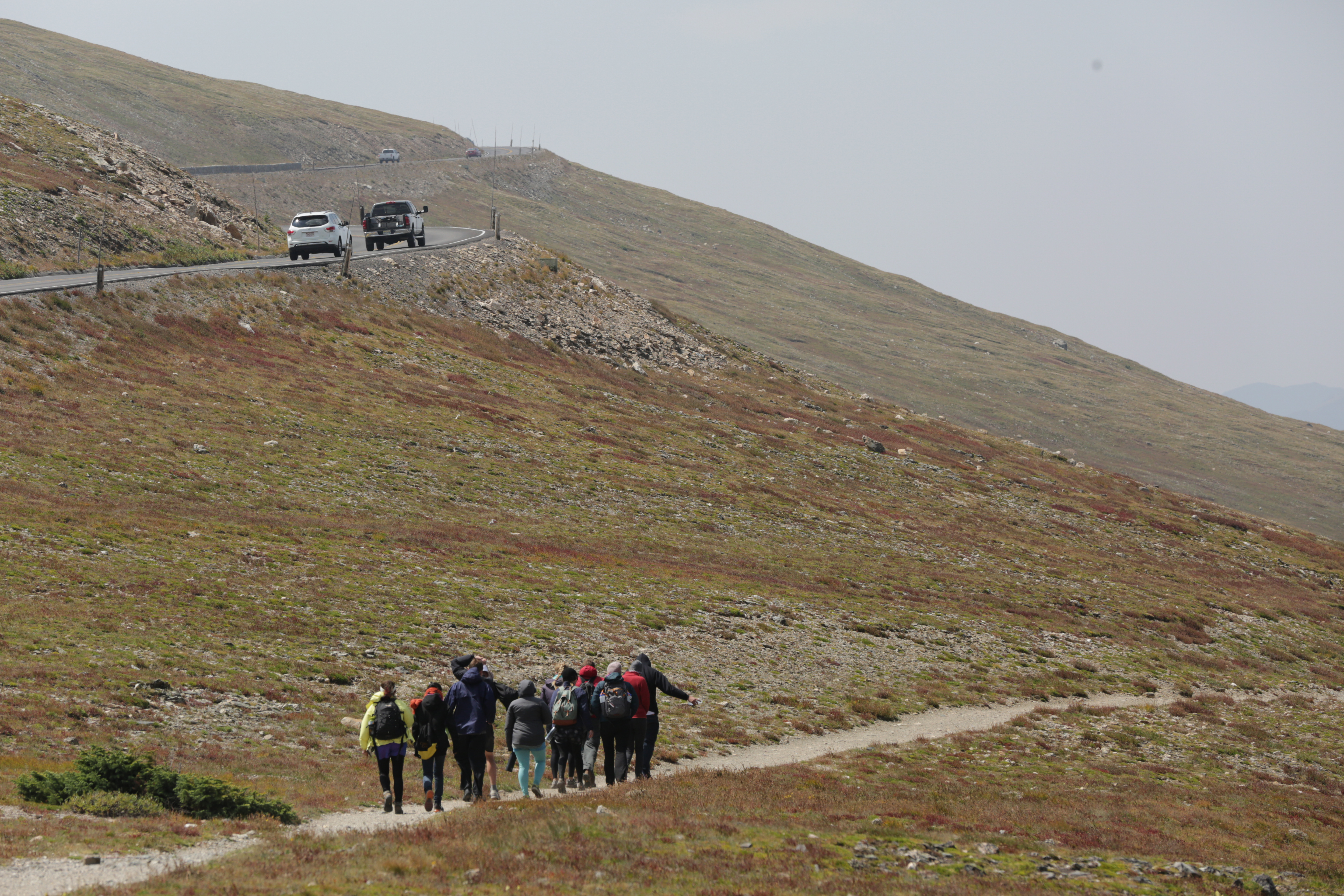 Photo: Crowded Rocky Mountain National Park, Group Of Hikers (HV)