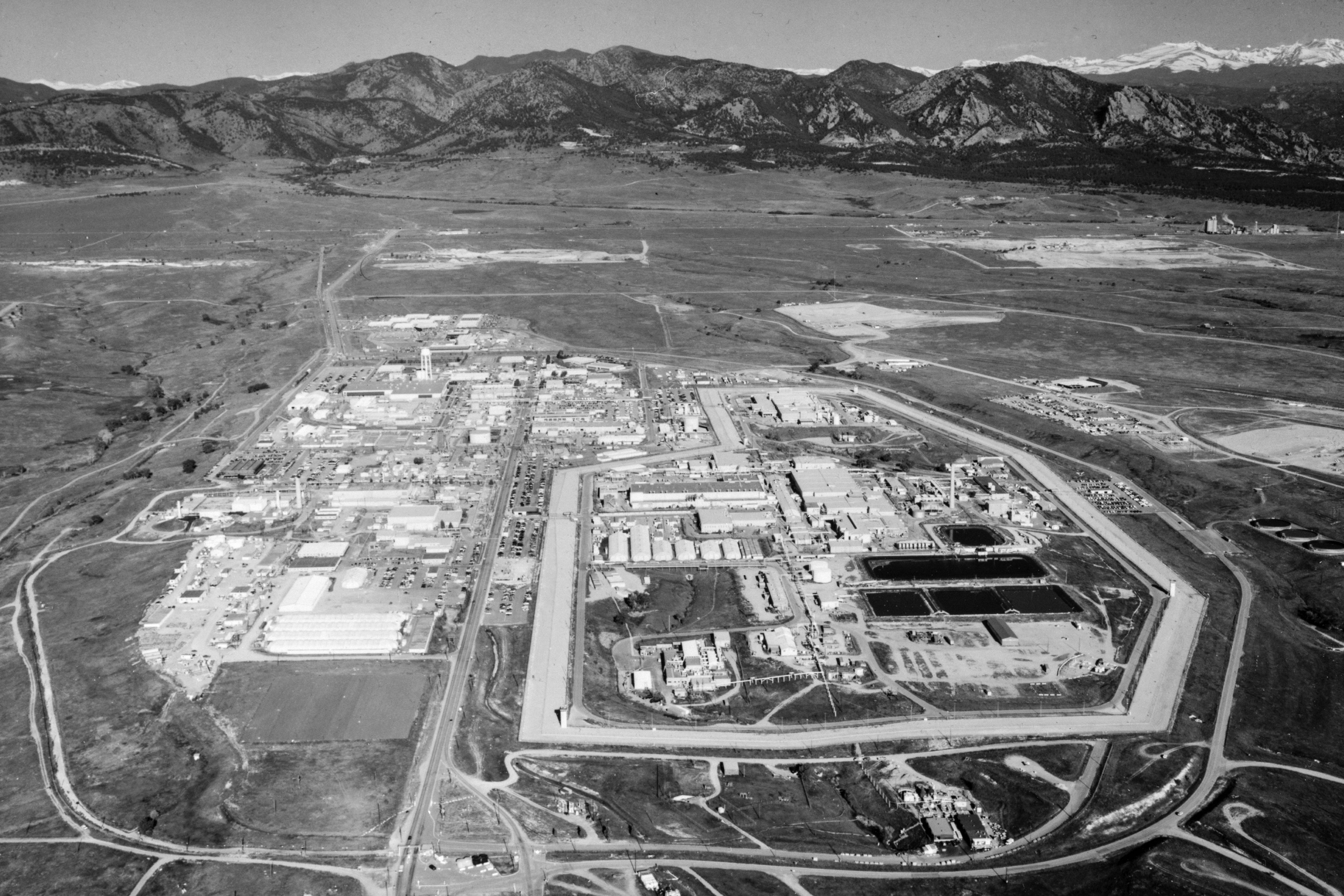 Photo: Rocky Flats Plant | Historical, Looking West - Library of Congress