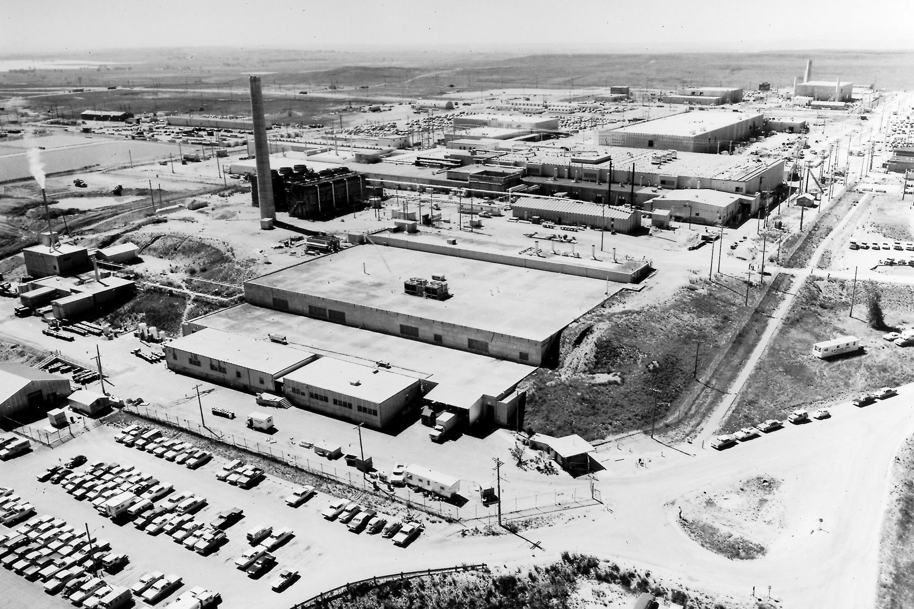 Photo: Rocky Flats Plant | Historical, SW Plutonium Bldg View - DOE