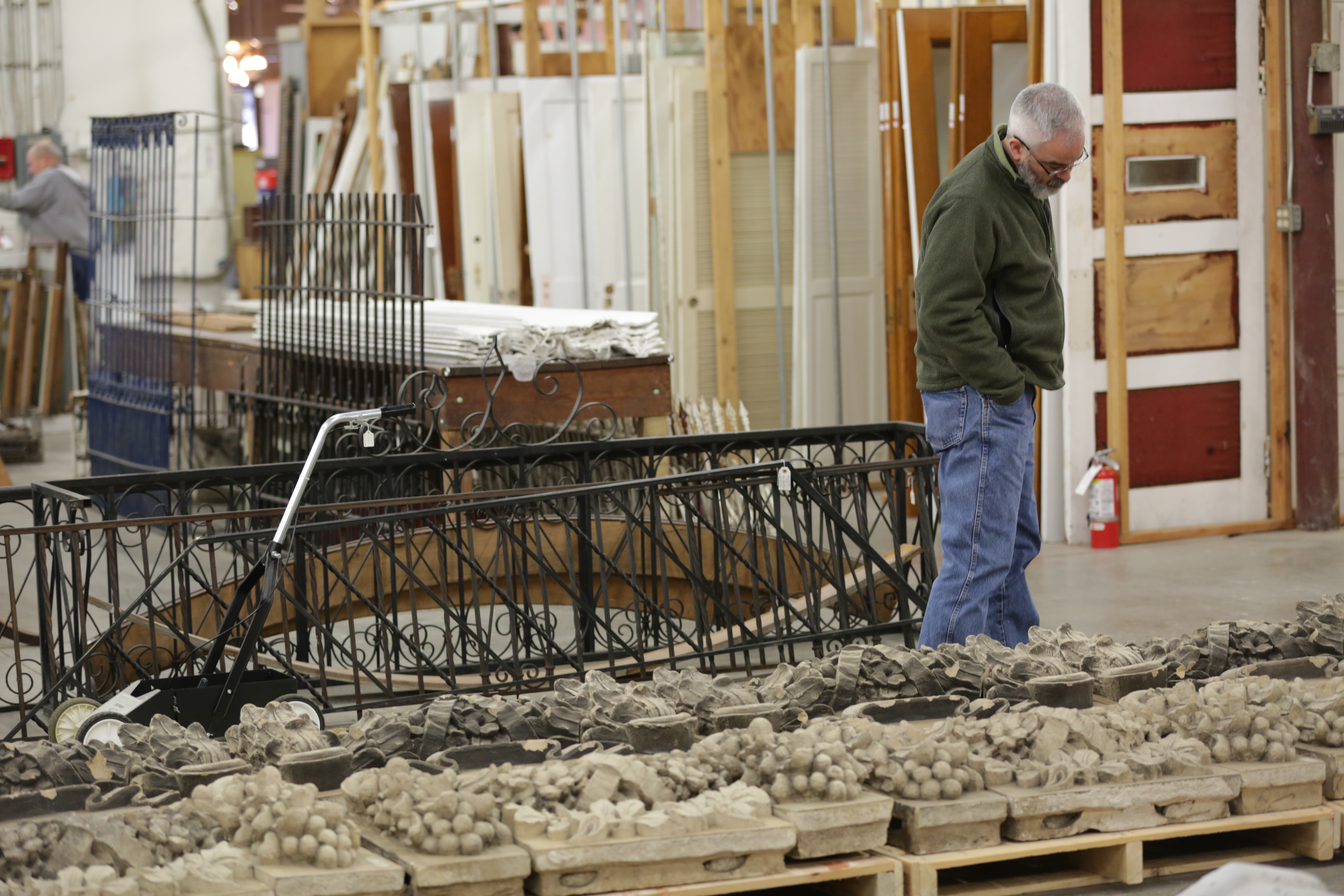 Photo: Architectural Salvage 3, Showroom (HV)