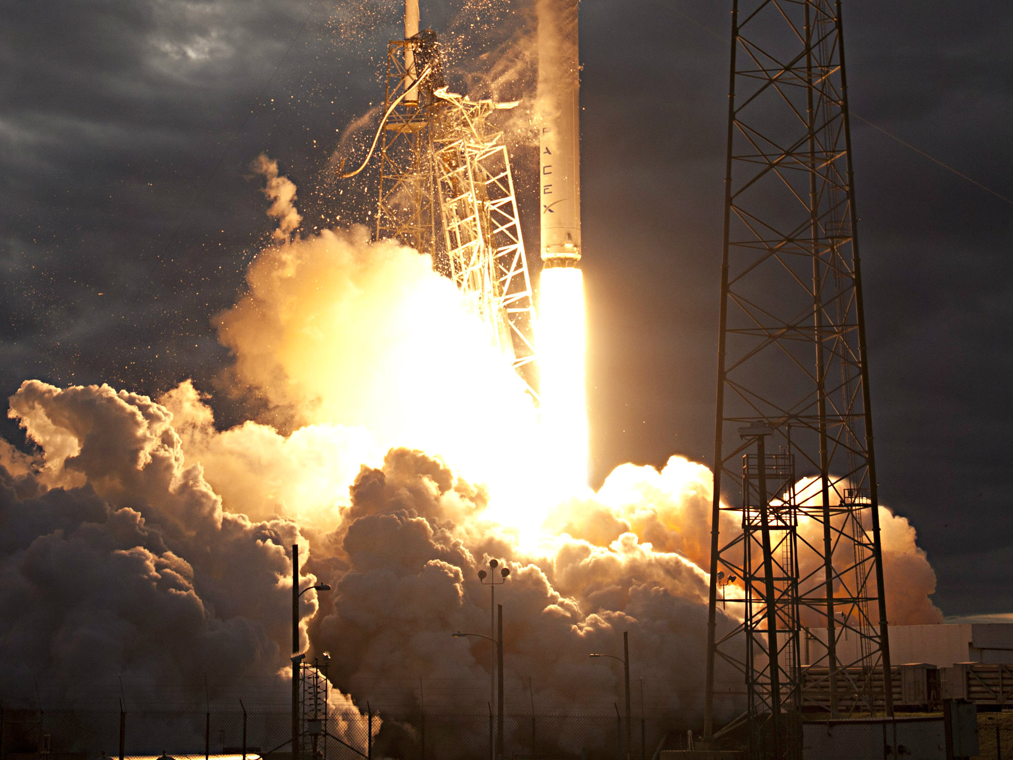 Photo: SpaceX Falcon9 Thai communications launch