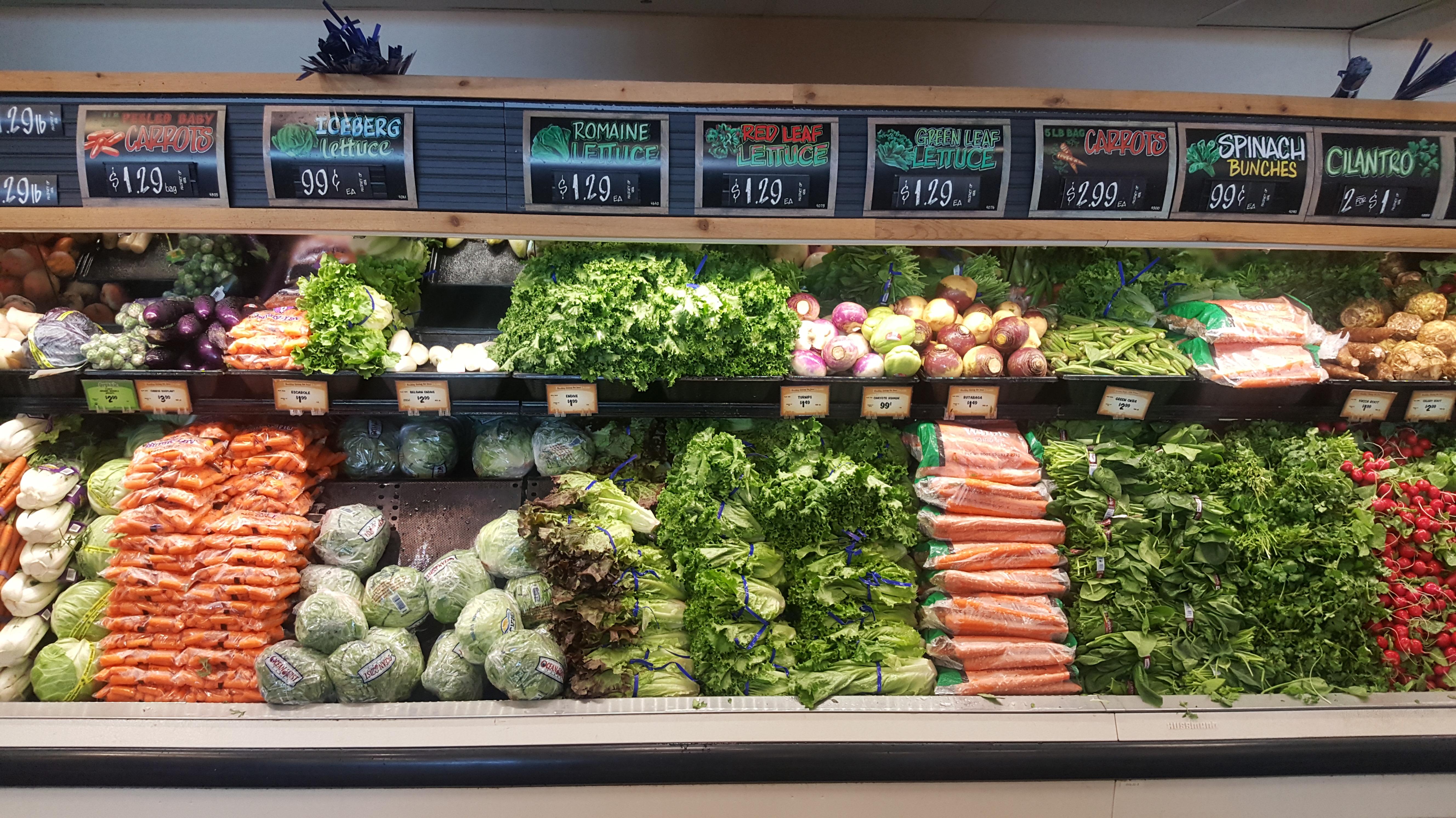 Photo: Romaine Lettuce E Coli Sprouts Farmers Market