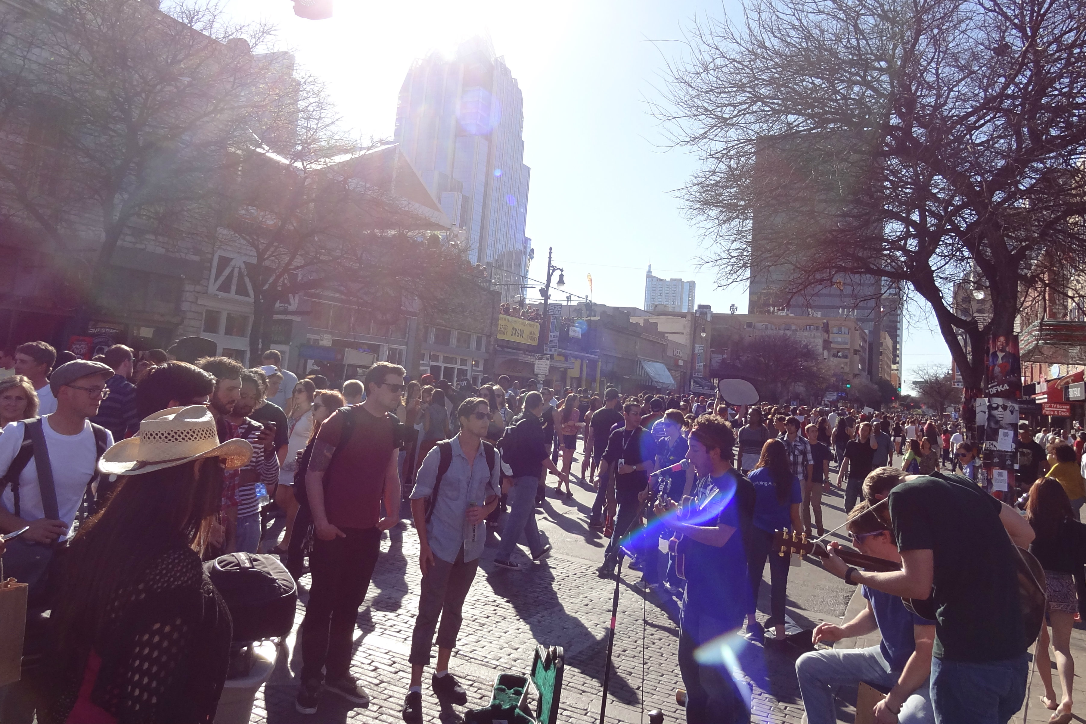 Photo: SXSW band performs in Sixth Street 3-2