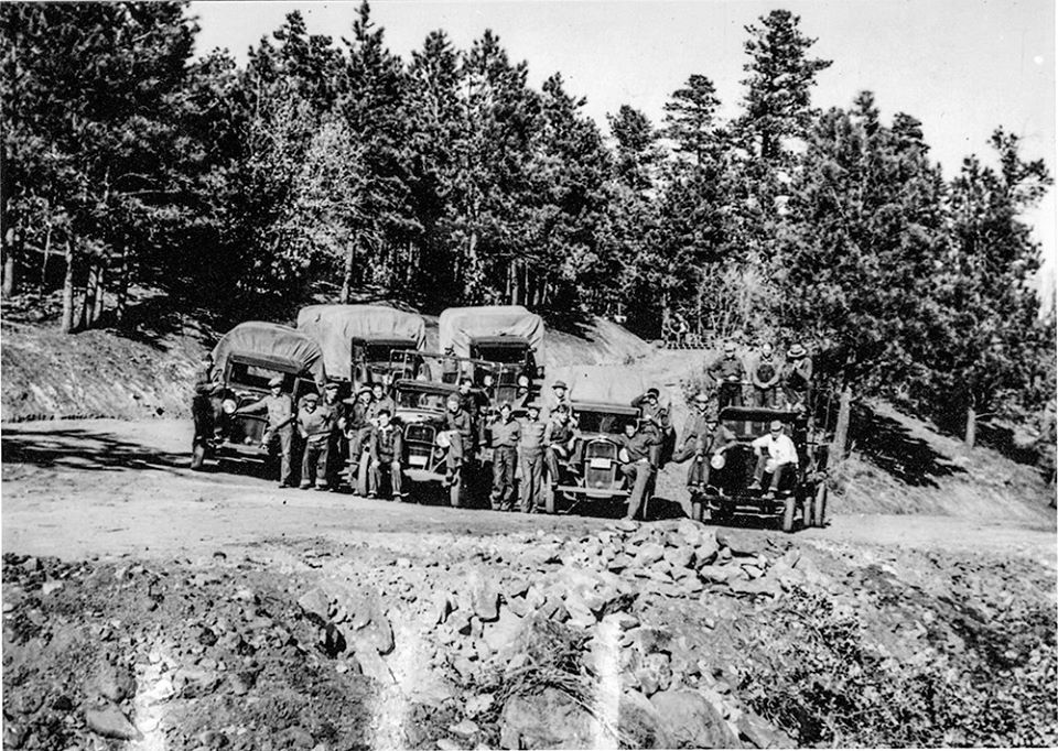 Workers with the Works Progress Administration (WPA) at the entrance of Pueblo Mountain Park