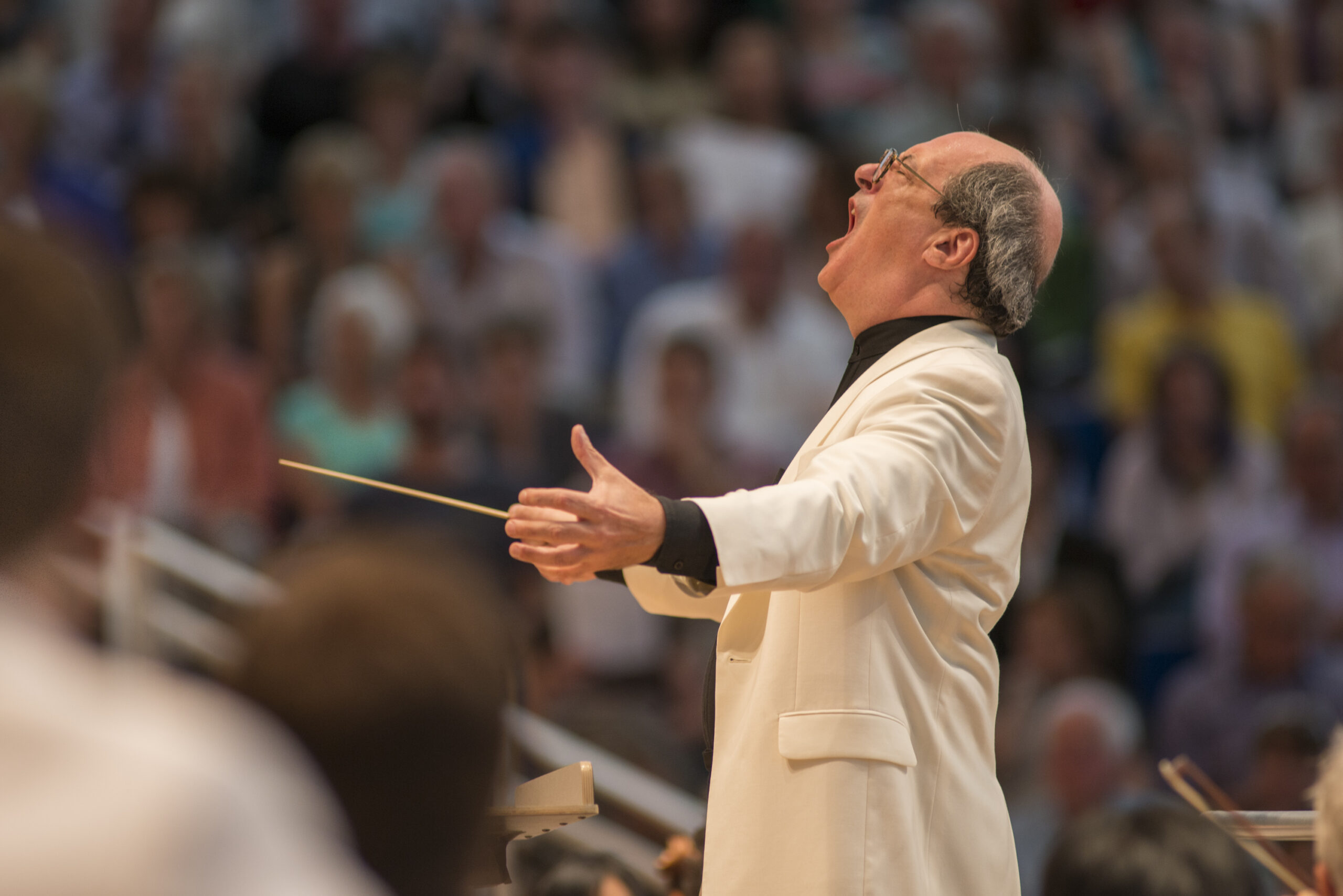 Robert Spano conducts in the Benedict Music Tent