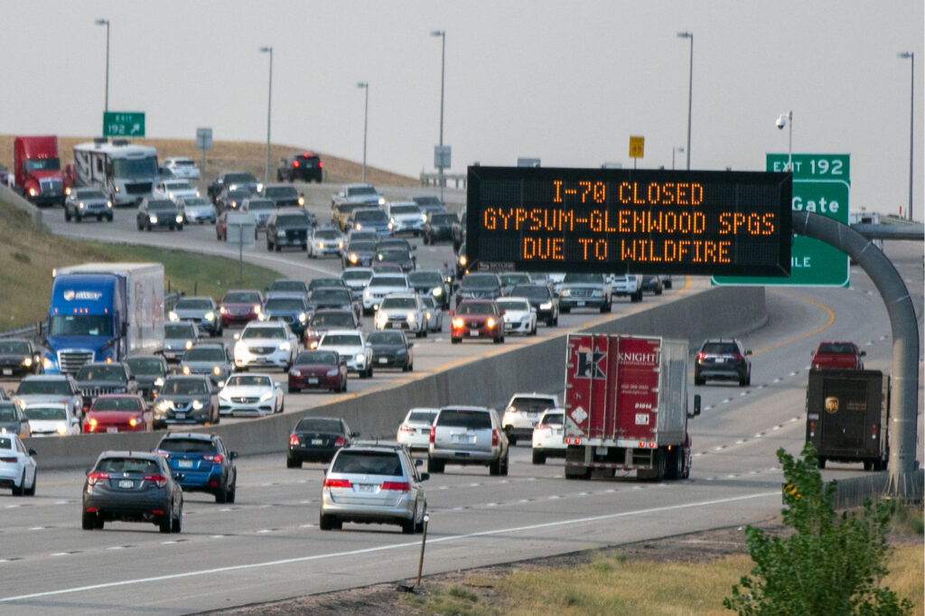 I25 TRAFFIC WARNING SIGN I70 CLOSED GRIZZLY CREEK WILDFIRE