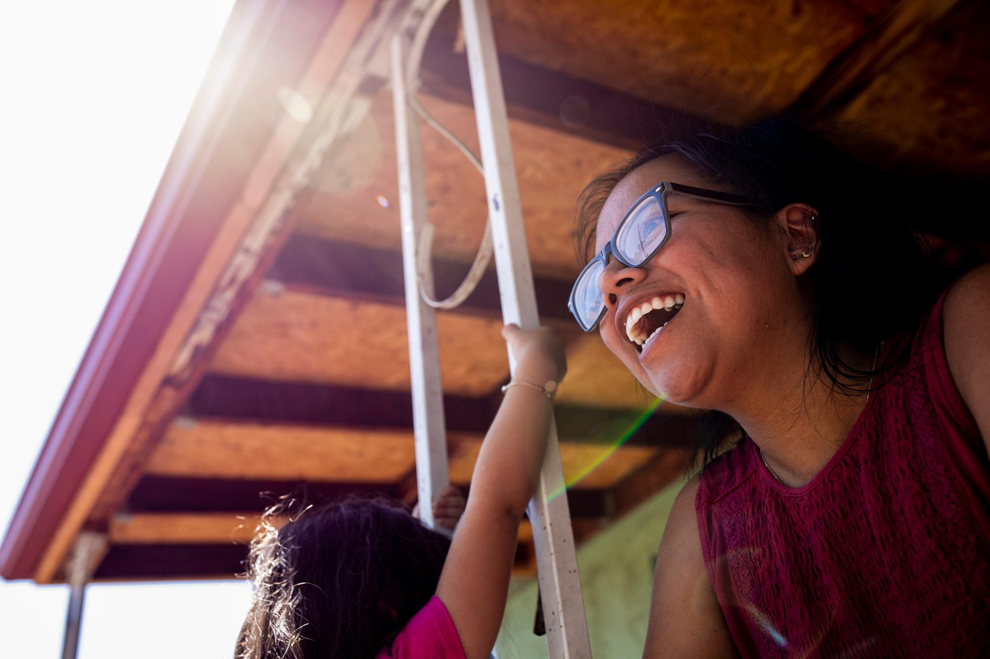 200905-ANA-AGUSTIN-PUEBLO-SMILE