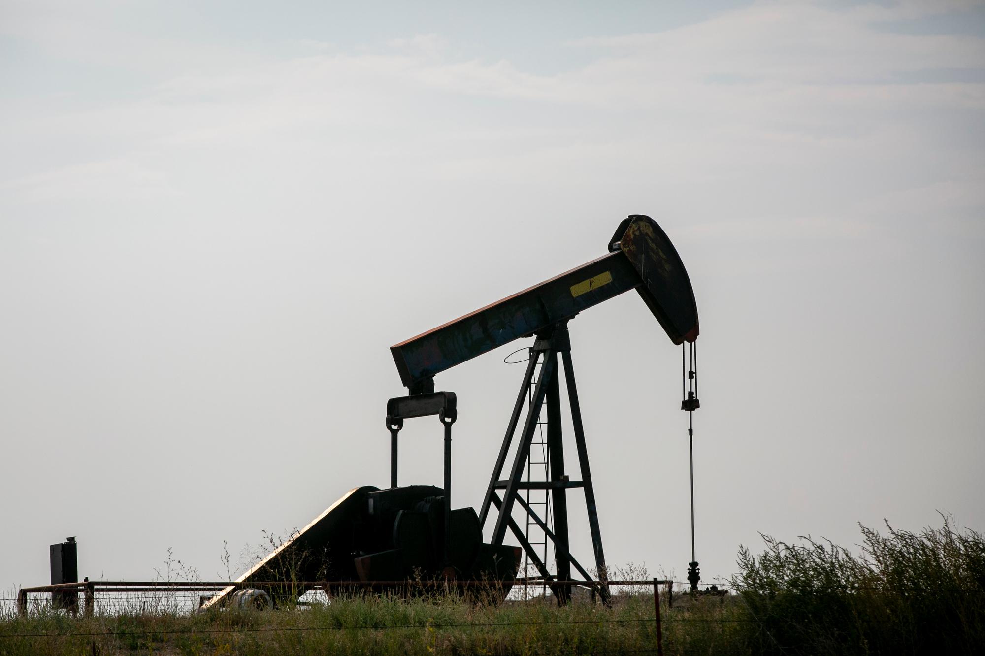 201002 BERTHOUD OIL PUMP JACK