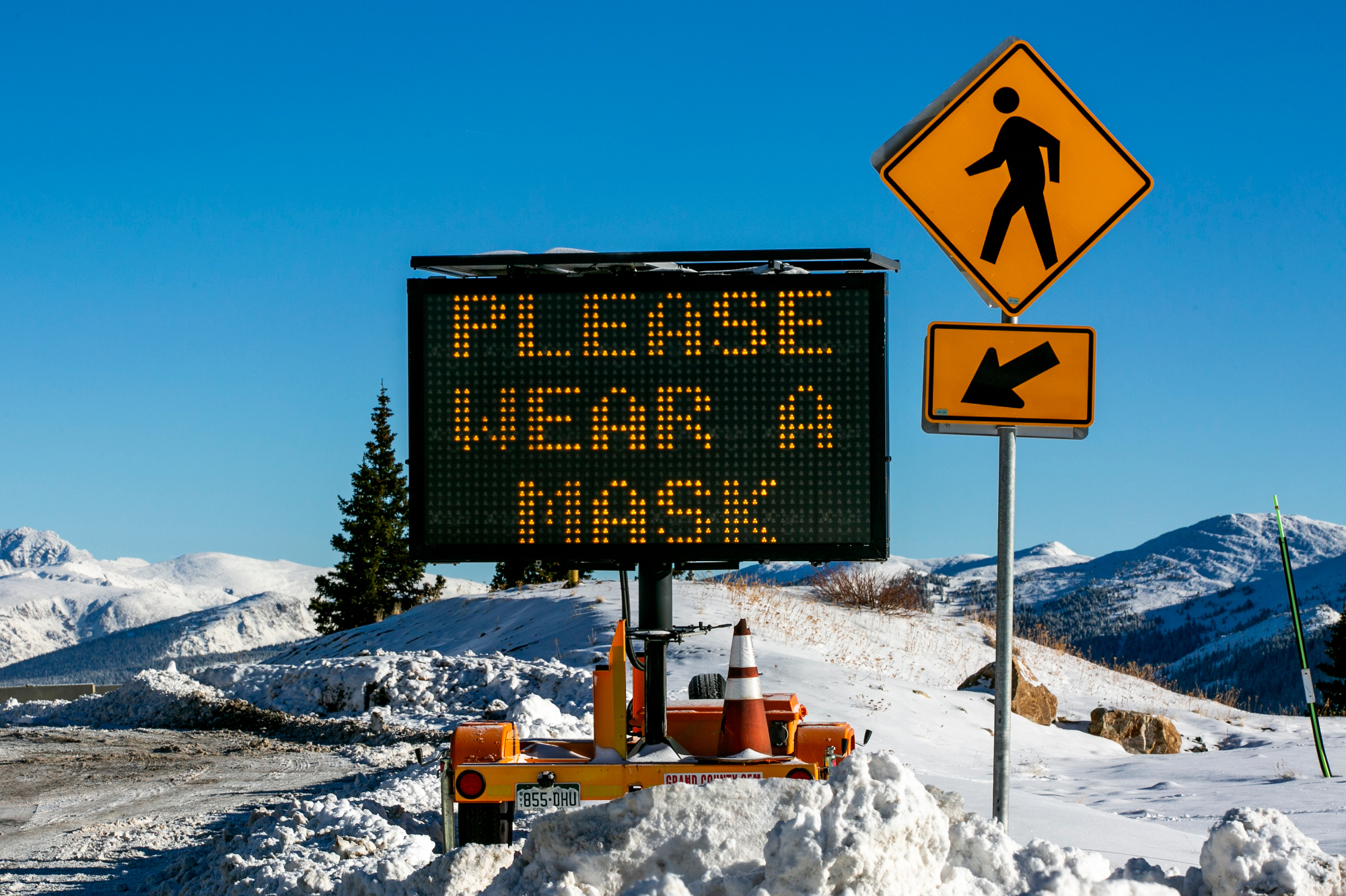 MASK-SIGN-BERTHOUD-PASS-WINTER-PARK-201022
