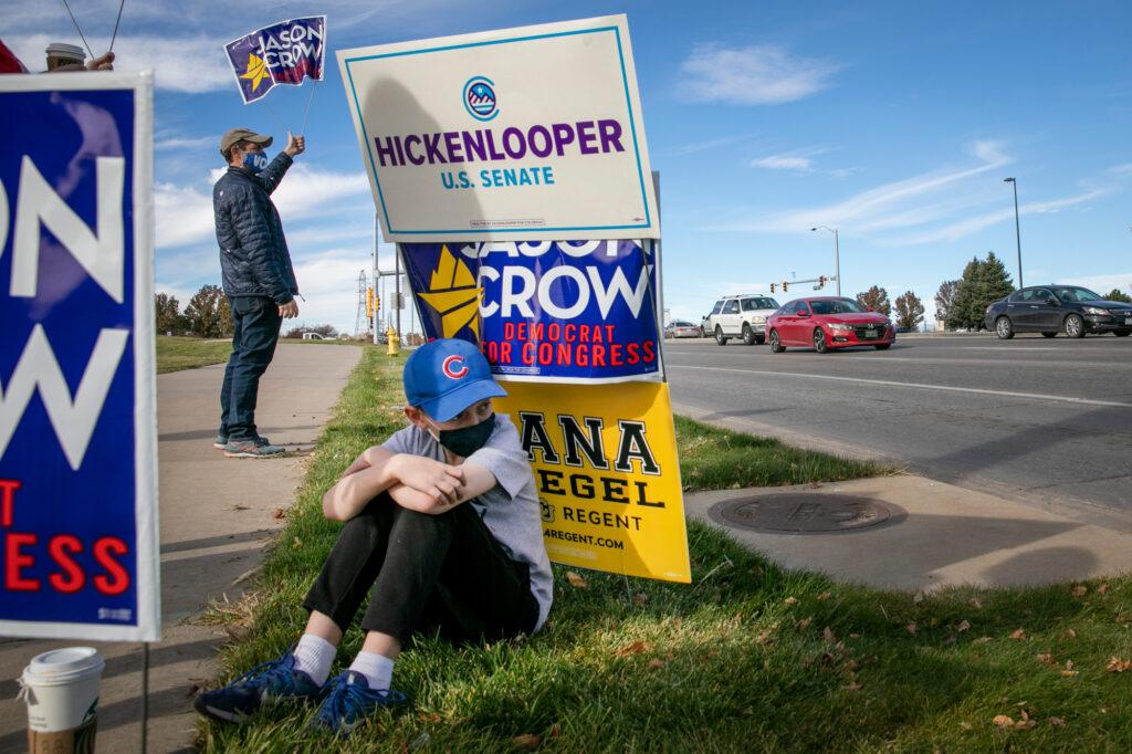 ELECTION-DAY-AURORA-DEMOCRATS-CROW-SON