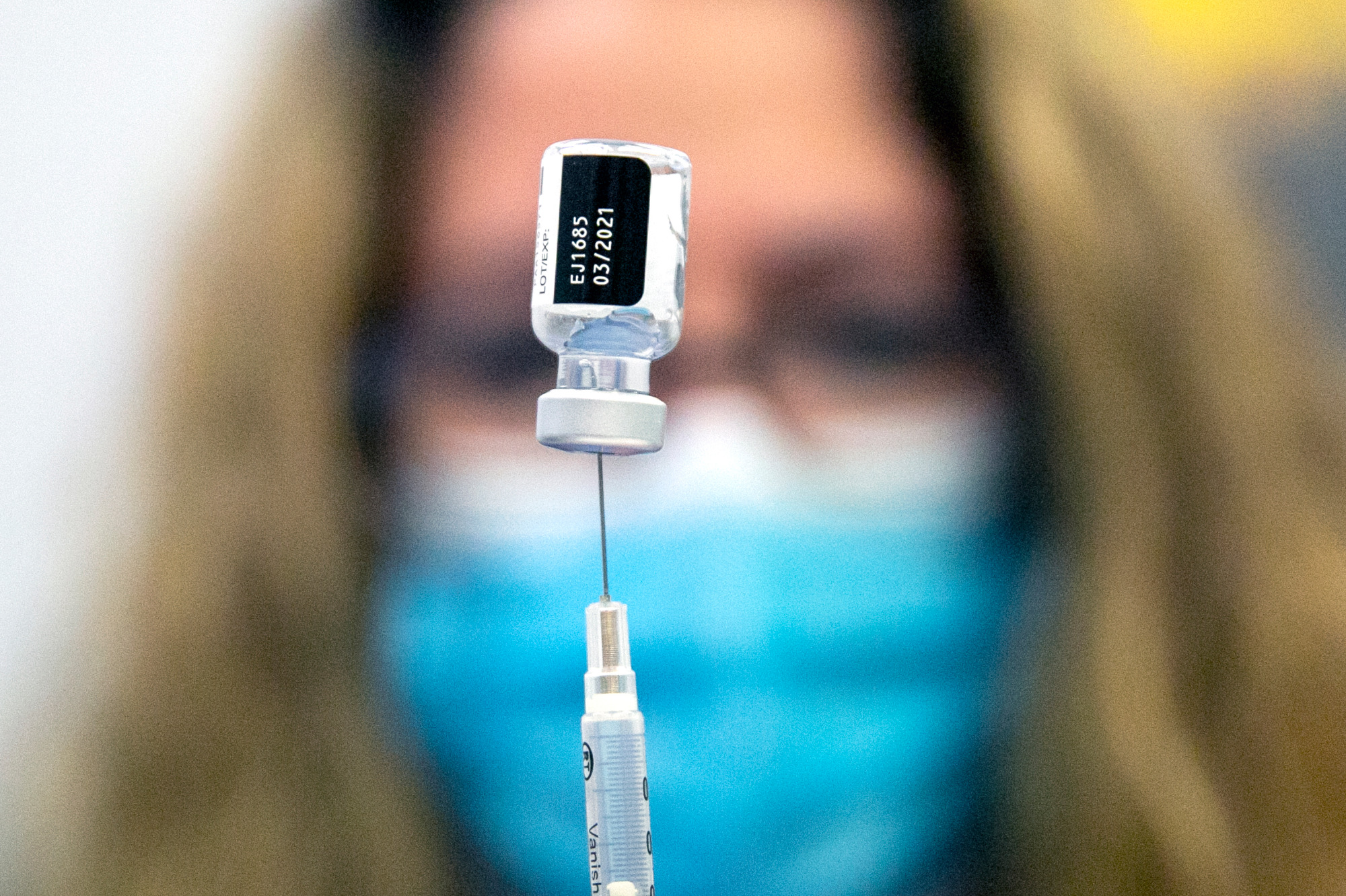 COVID-VACCINE-HOSPITAL-WORKERS-NORTH-SUBURBAN-THORNTON-201217