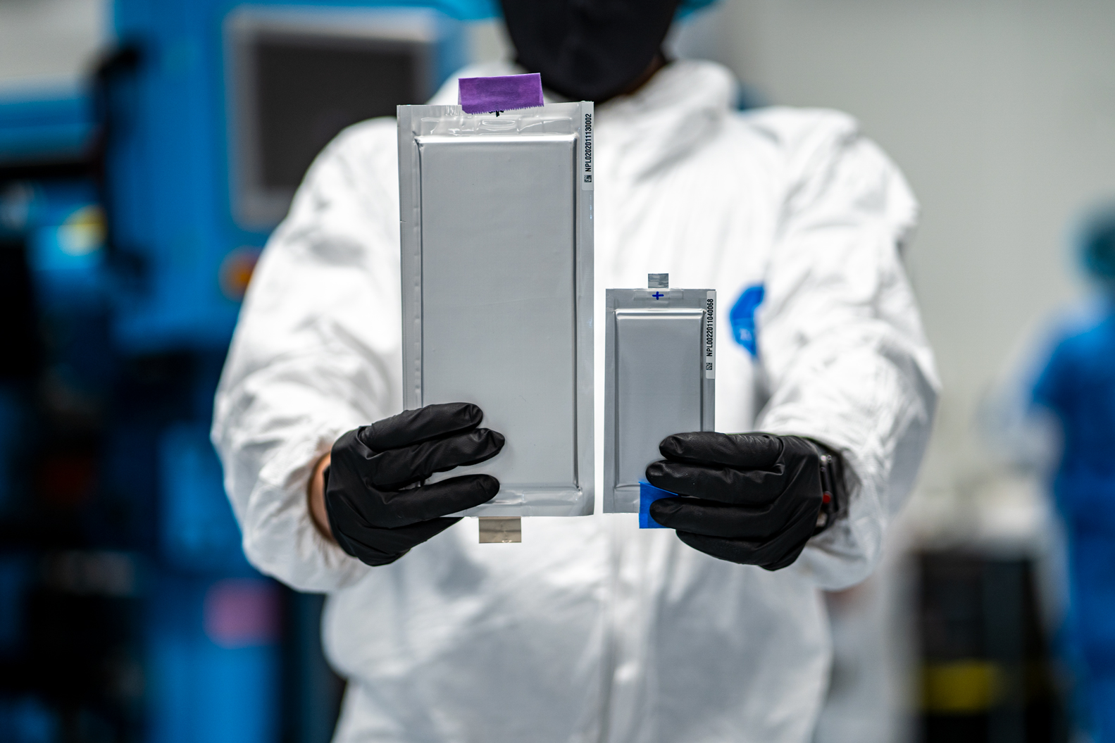 Solid Power's 22-layer, 20Ah all solid-state lithium metal cell compared to the company's first-generation 10-layer, 2Ah cell.