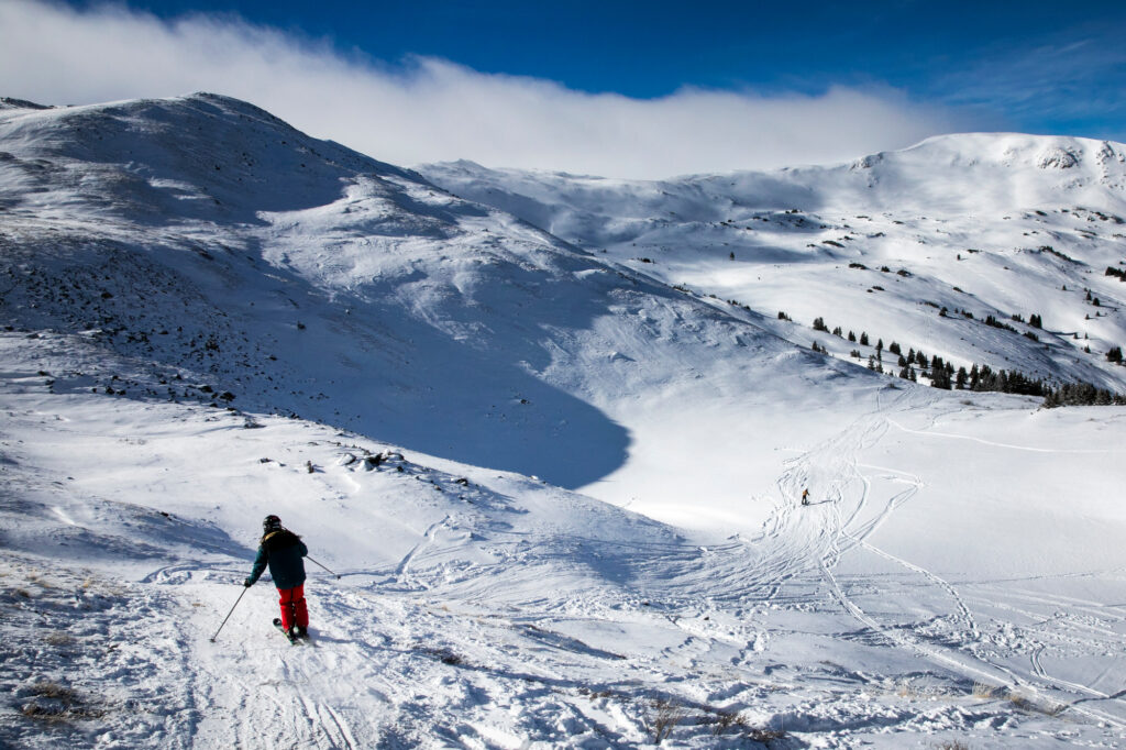 LOVELAND-PASS-SKIERS-SNOWBOARDERS-201231