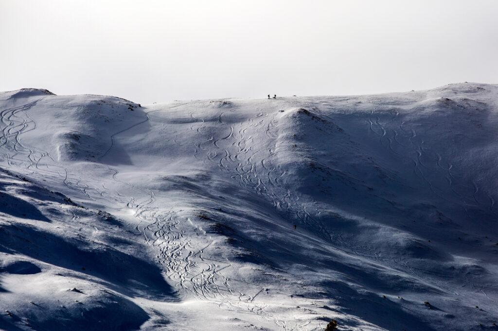 LOVELAND-PASS-SKIERS-SNOWBOARDERS-RIDGE-SADDLE-201231